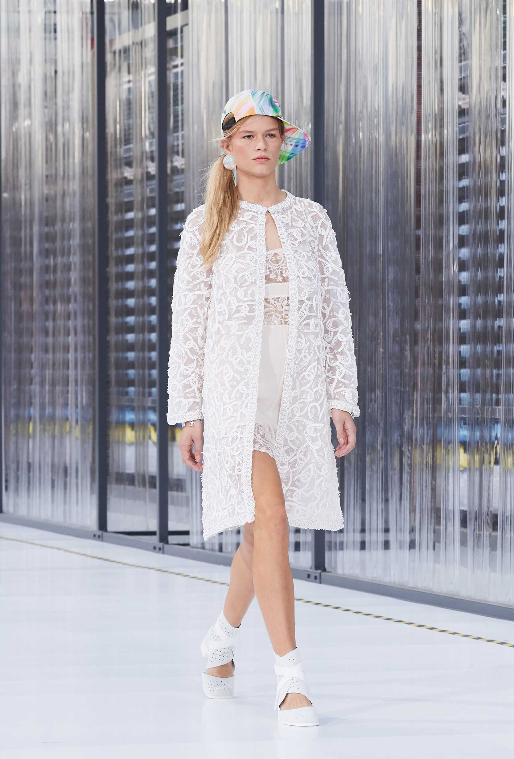 2017 Woman Chanel Trends Paris Fashion Week