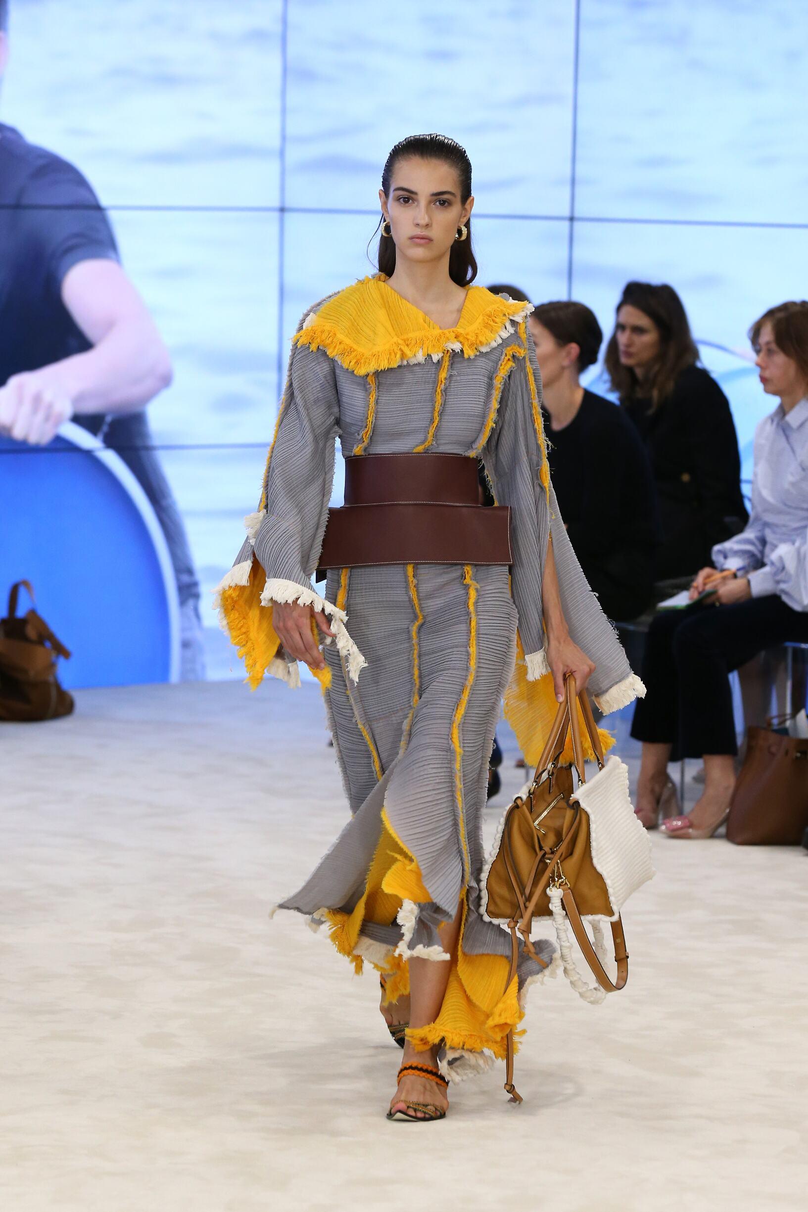 2017 Woman Style Loewe