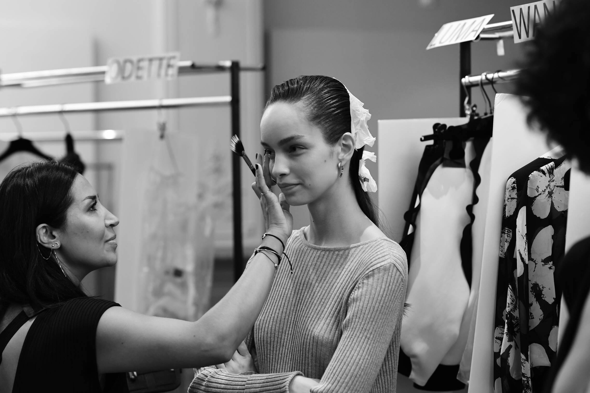 Backstage Emanuel Ungaro Fashion Model Make Up