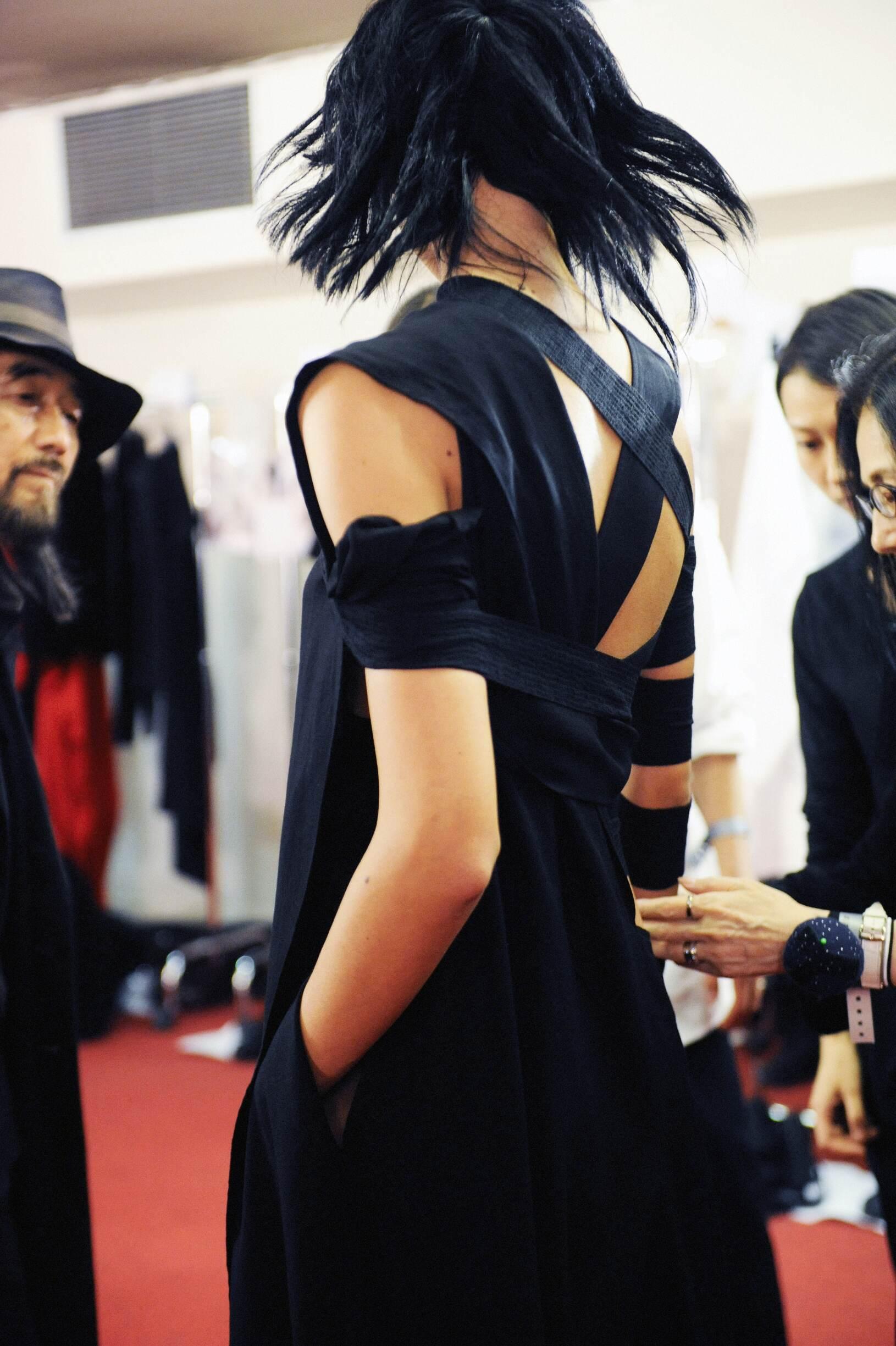 Backstage Women Yohji Yamamoto and Model