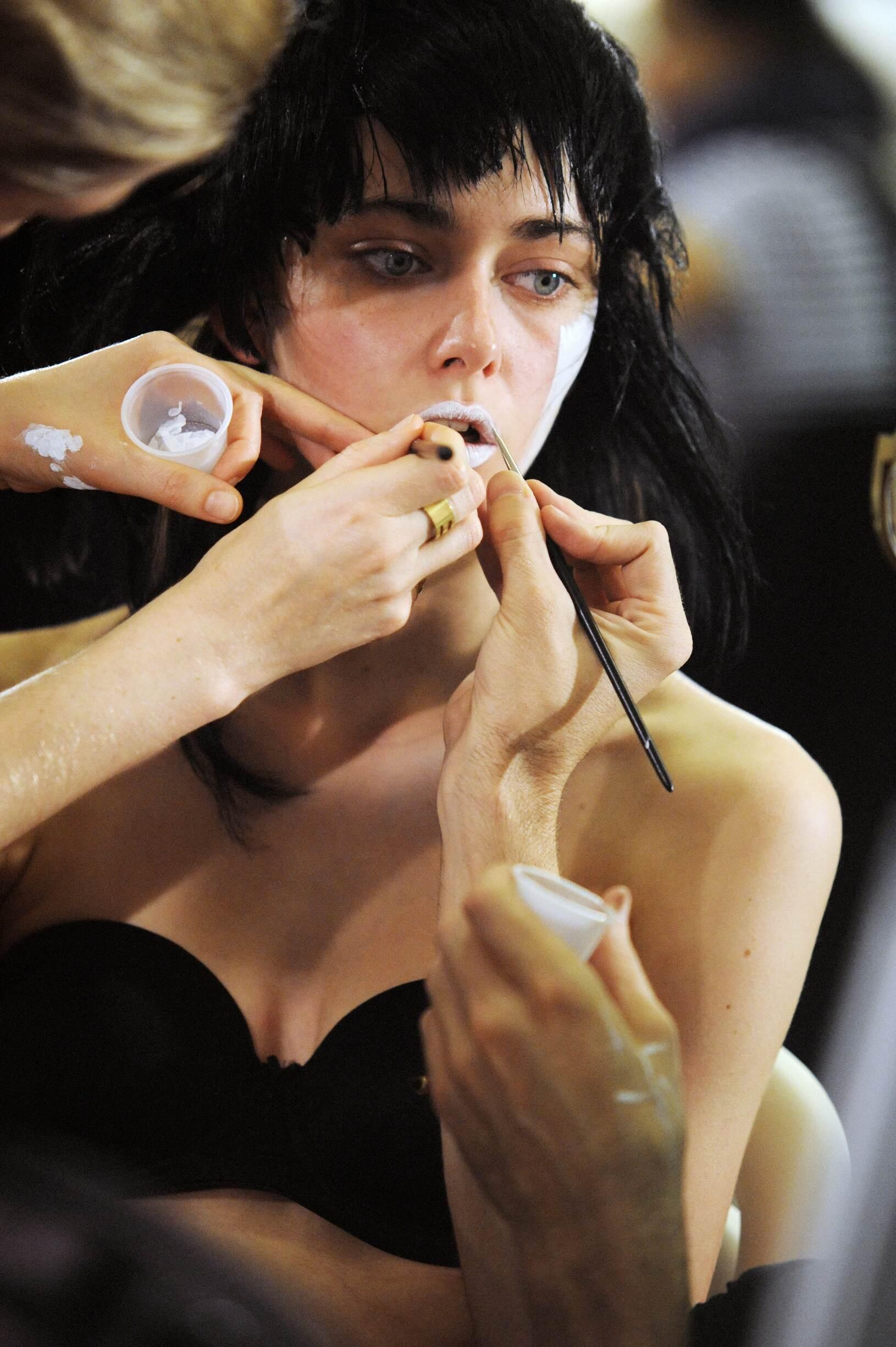 Backstage Yohji Yamamoto Make Up
