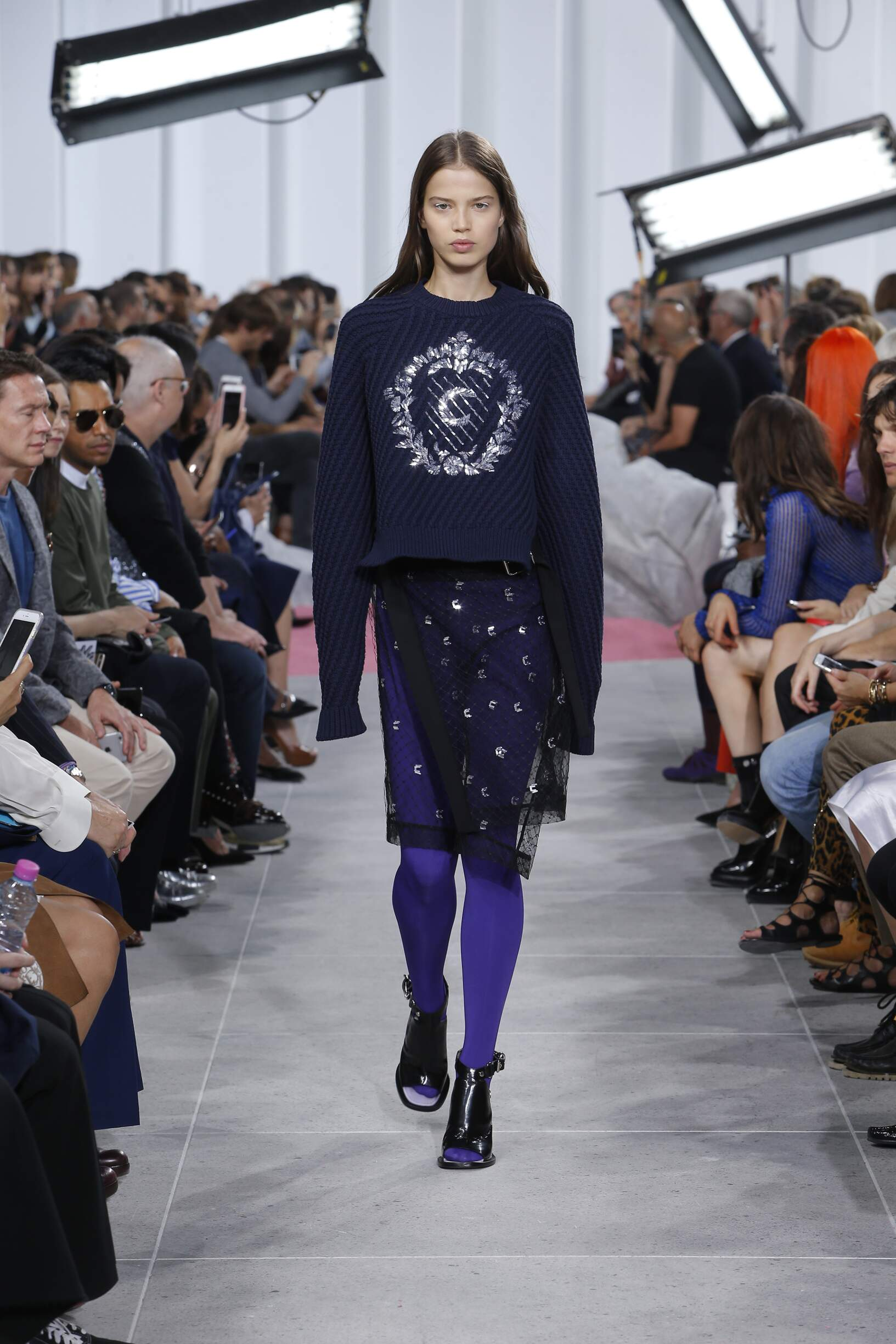 Carven Style