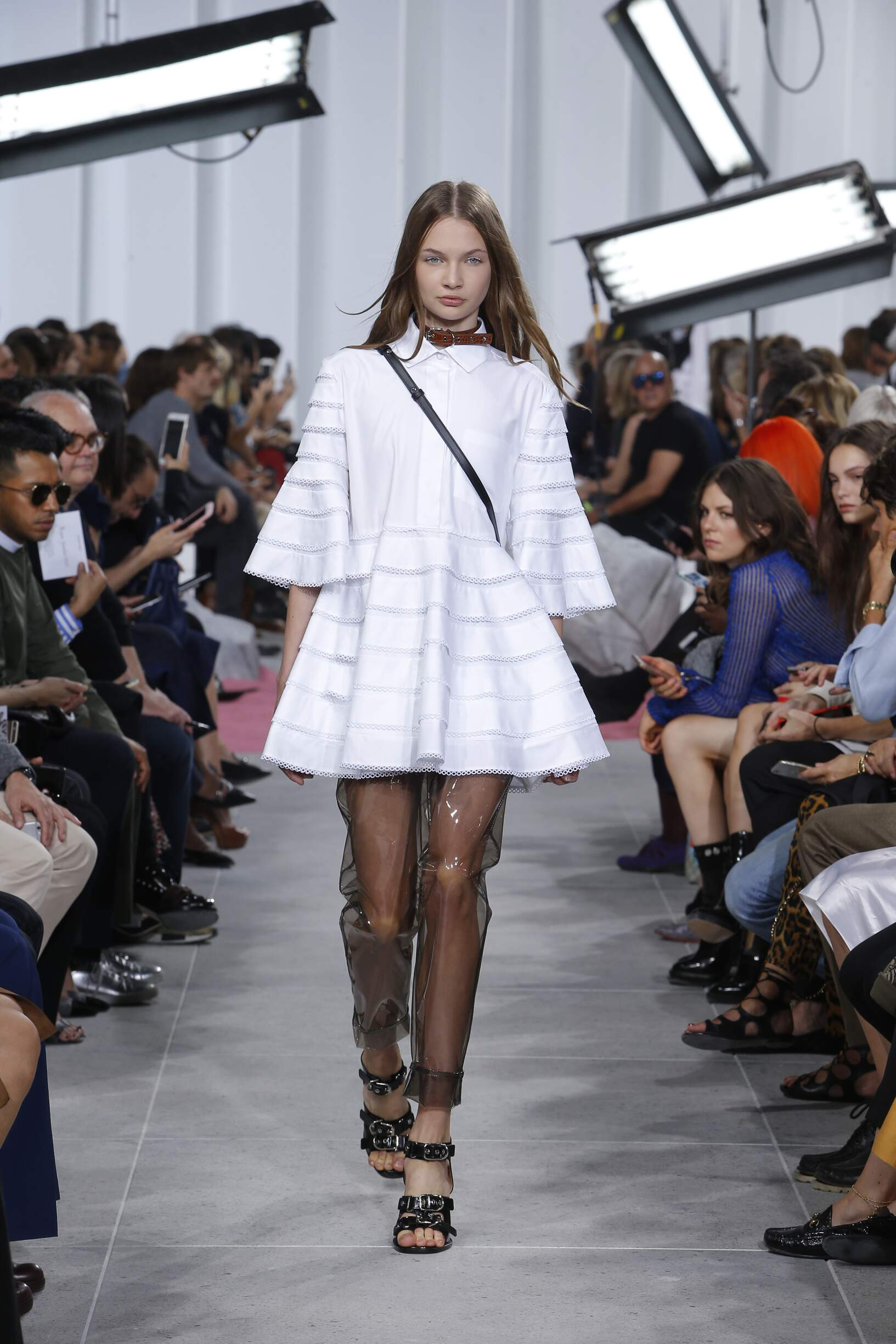 Carven Woman Style