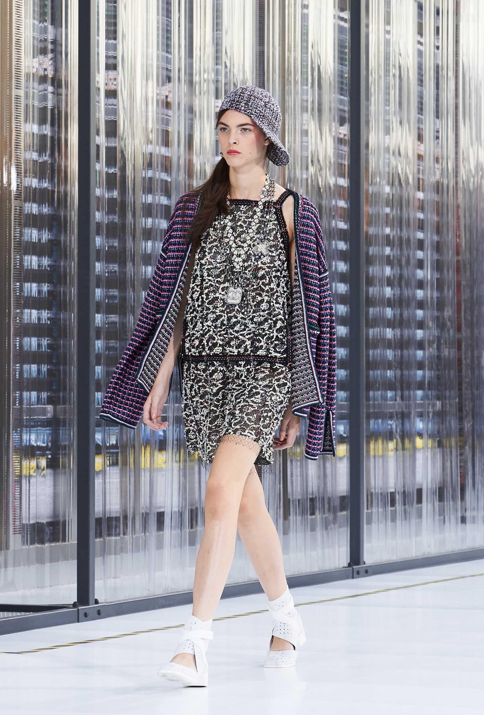 Catwalk Chanel Woman Fashion Show Summer 2017