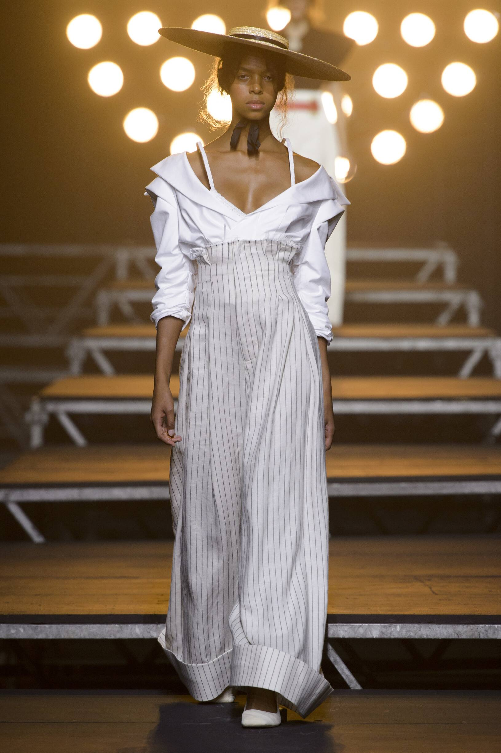 Catwalk Jacquemus Summer 2017