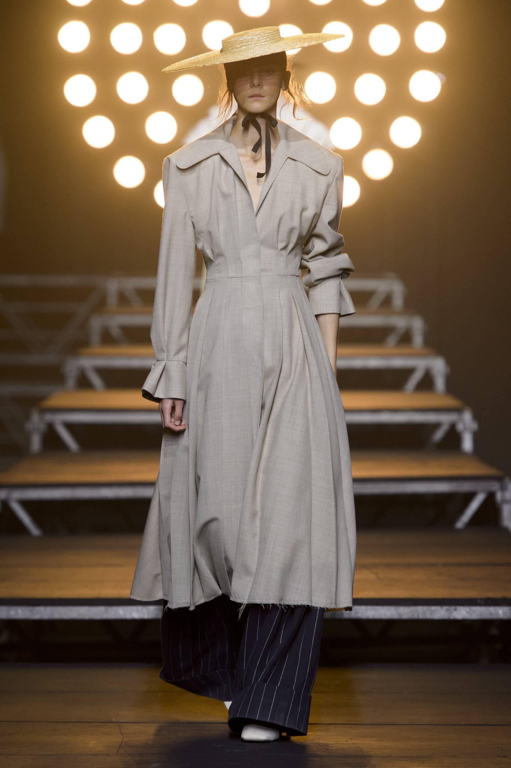 Catwalk Jacquemus Woman Fashion Show Summer 2017