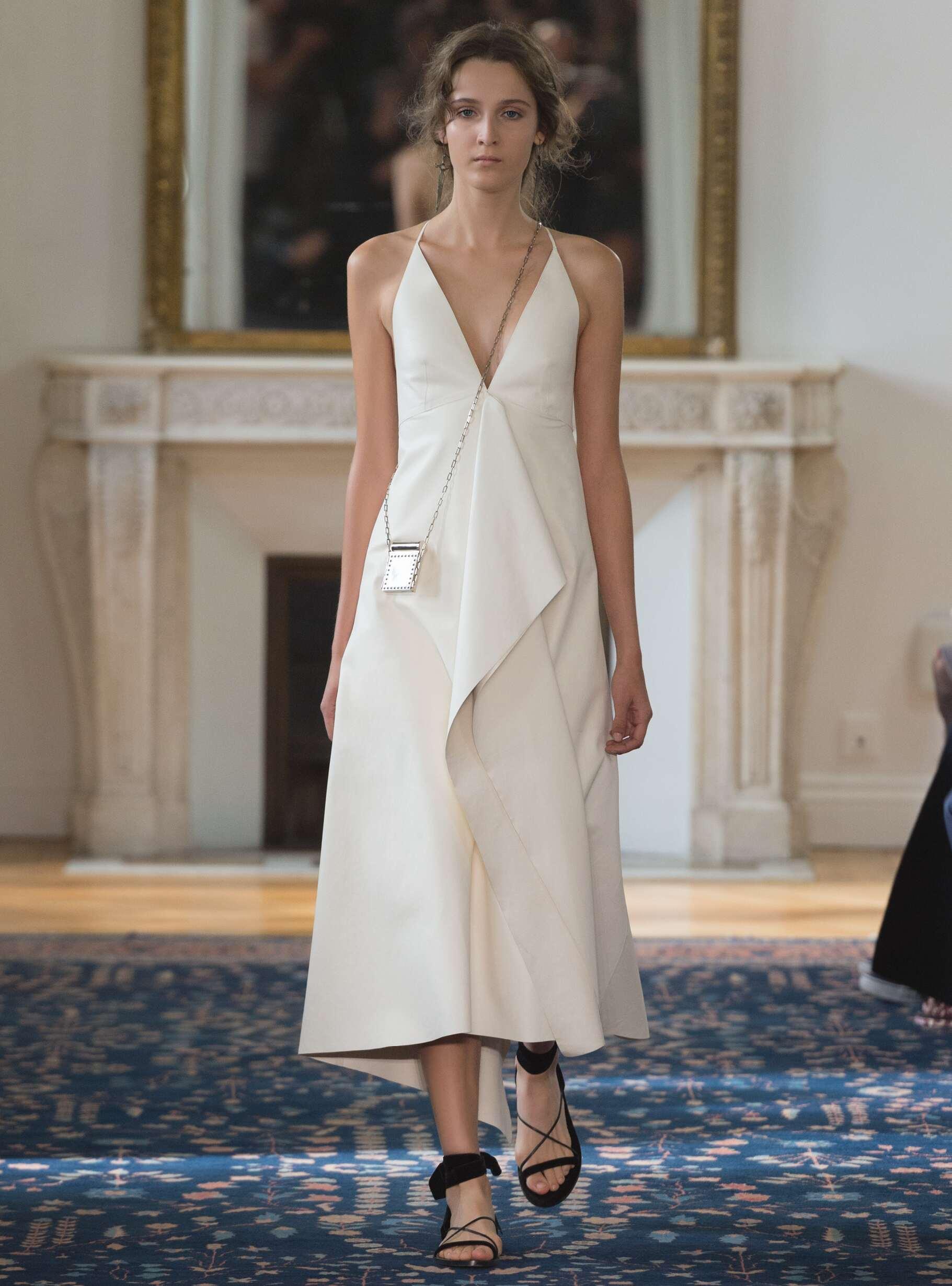Catwalk Valentino Woman Fashion Show Summer 2017