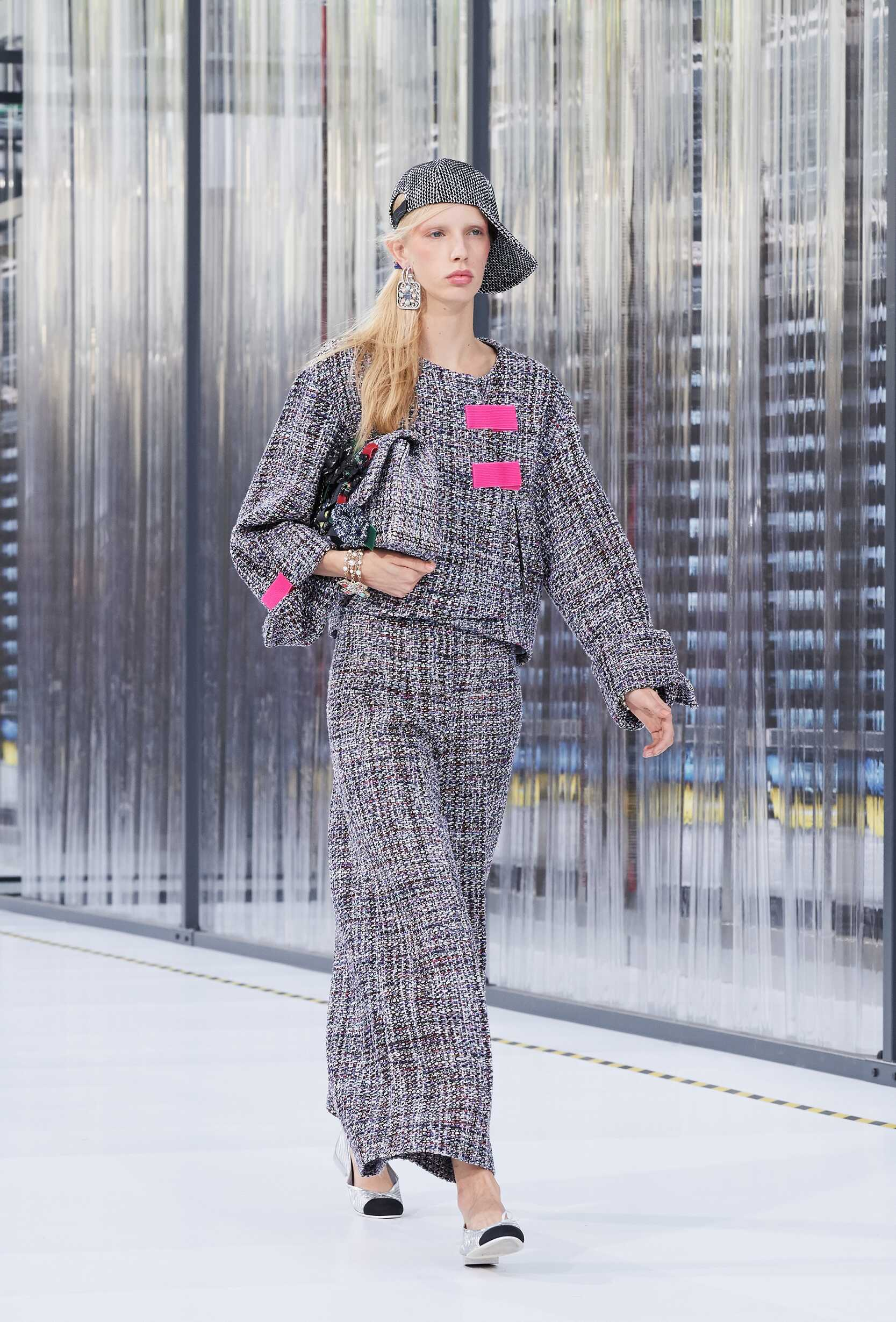Chanel Spring 2017 Catwalk