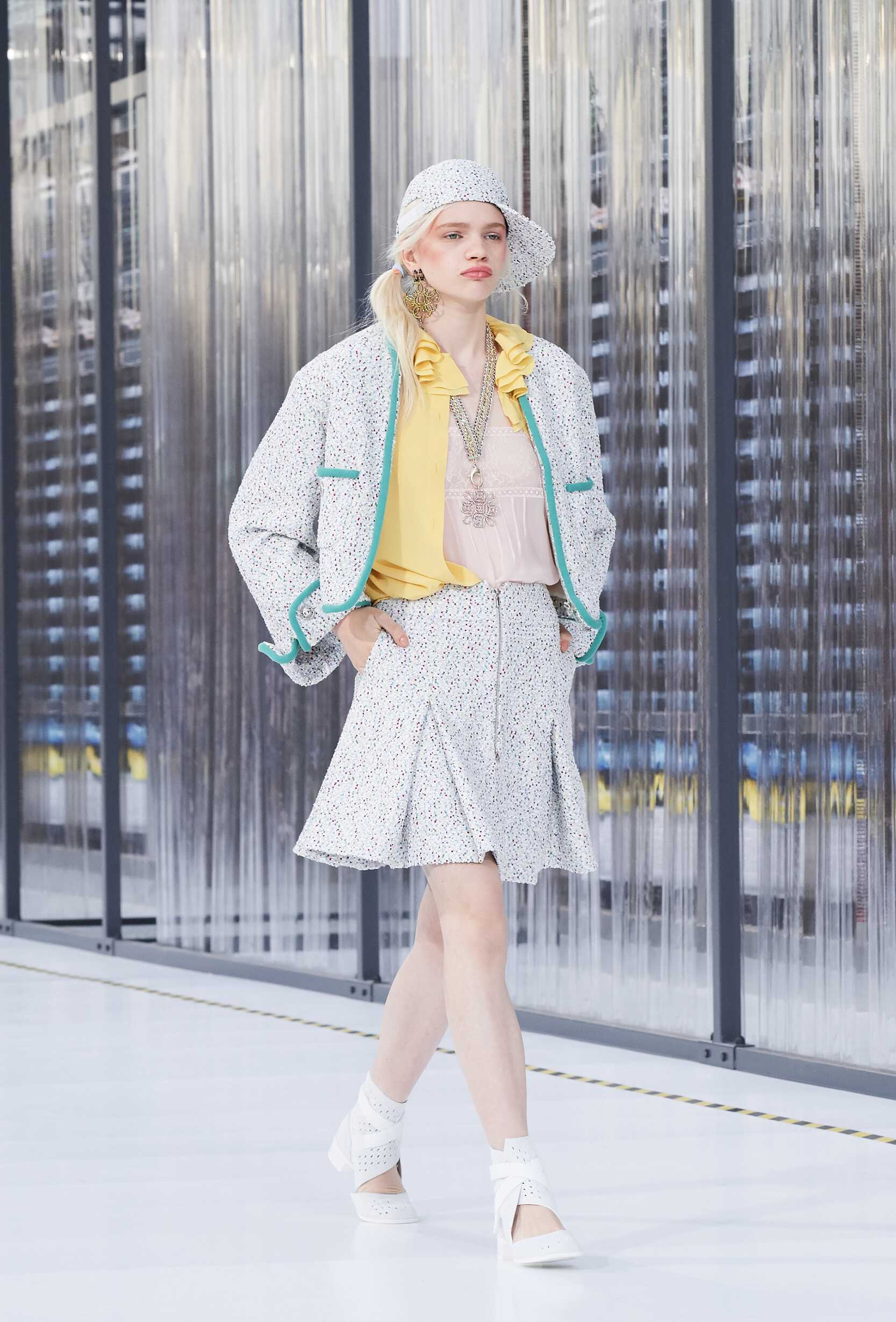 Chanel Spring Summer 2017 Womens Collection Paris Fashion Week