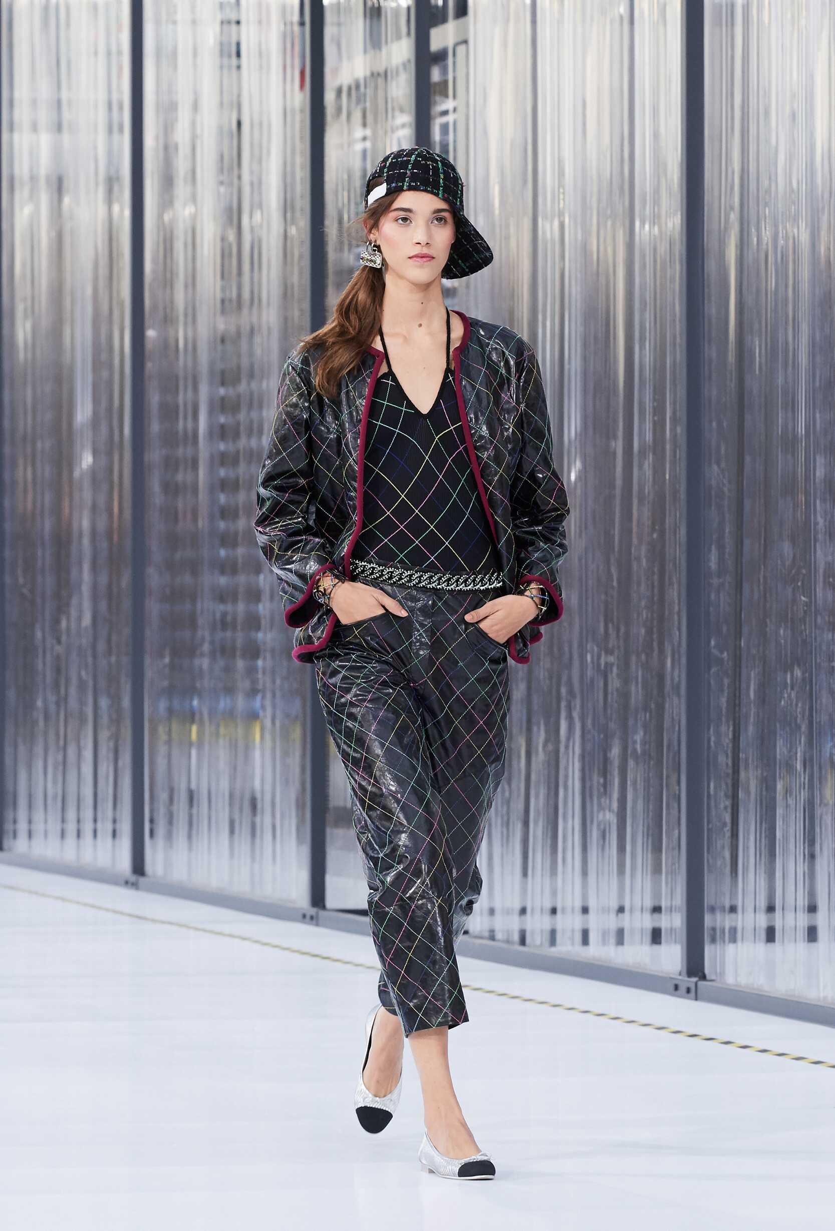 Chanel Summer 2017 Catwalk