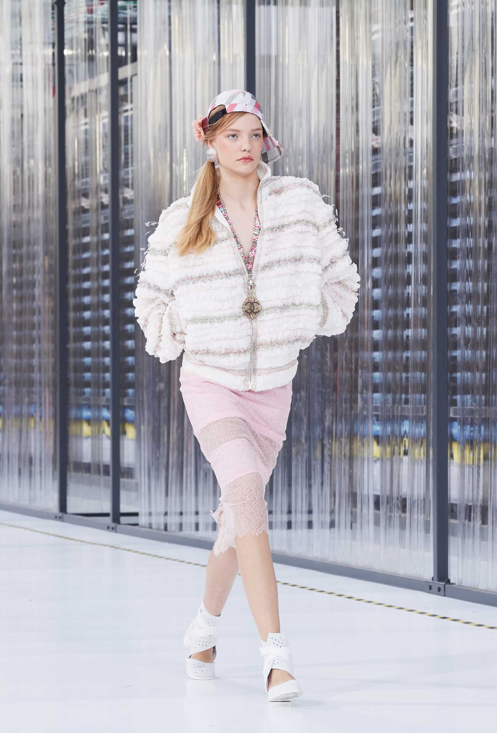 Chanel Woman 2017 Paris Trends