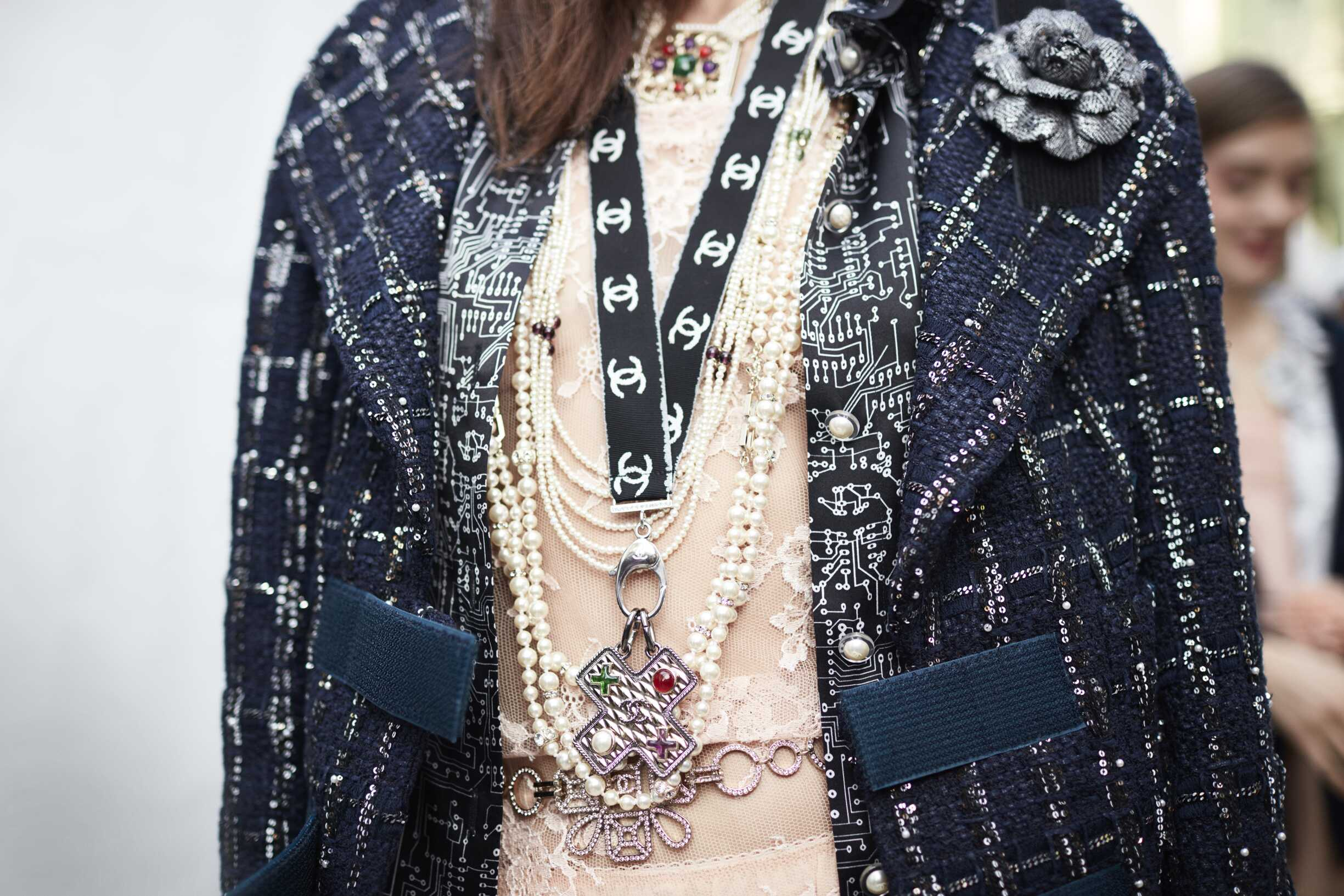 Chanel Woman Accessories 2017