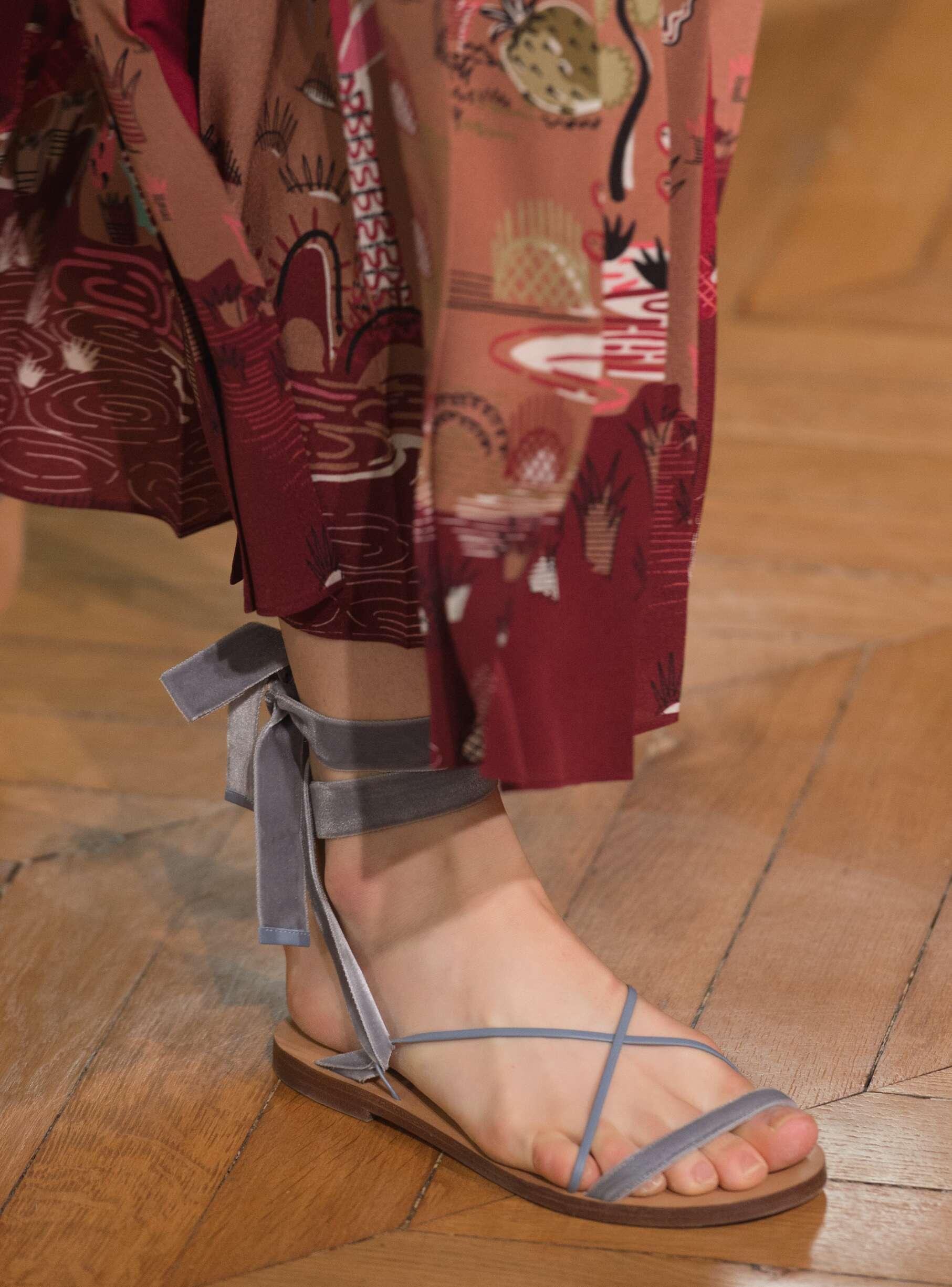 Detail Valentino Spring Summer 2017 Women's Collection Paris Fashion Week