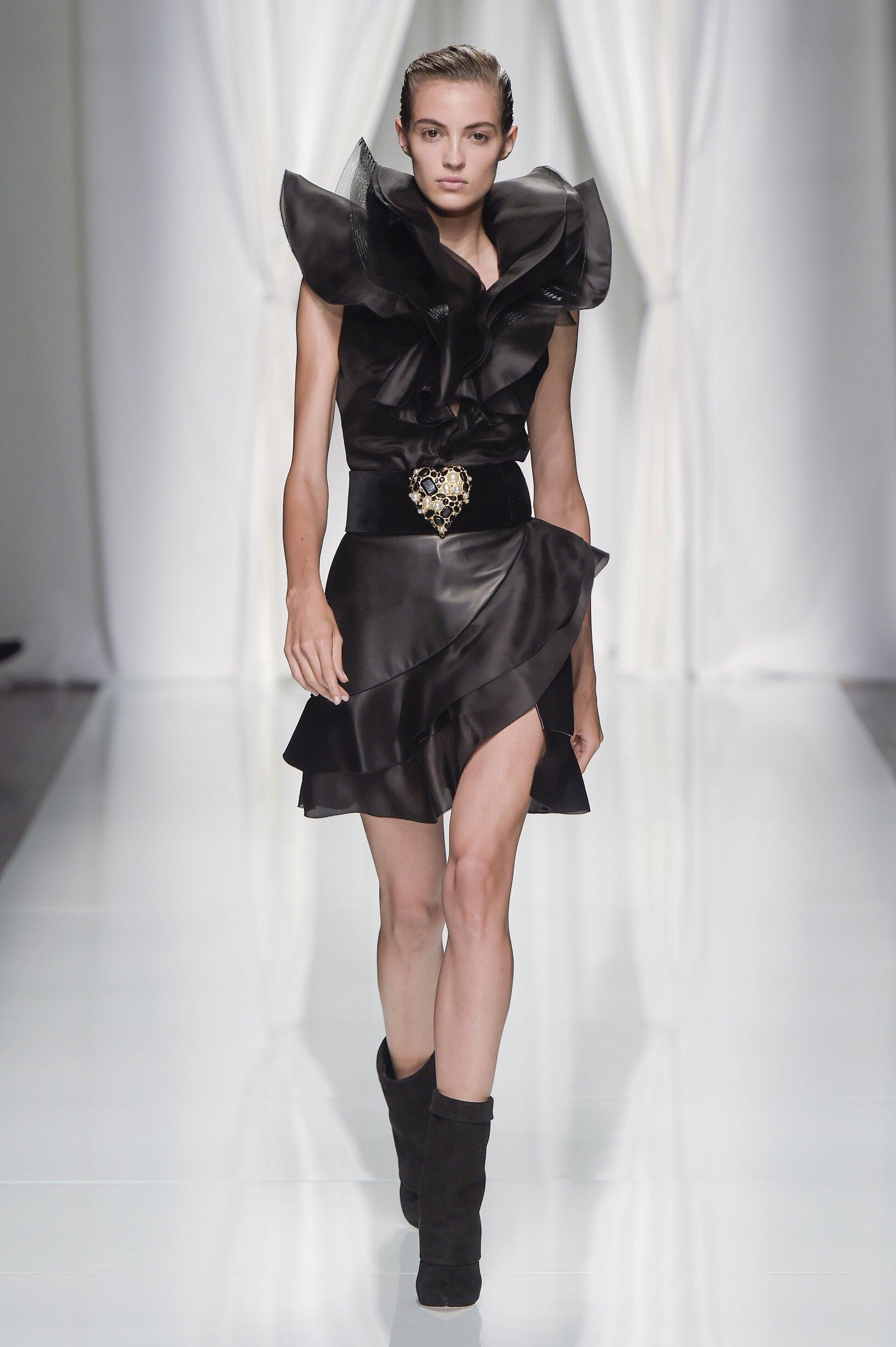 Emanuel Ungaro Fashion Show SS 2017