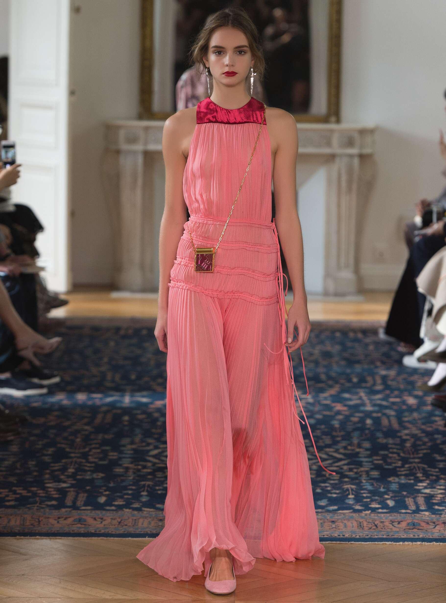 Fashion 2017 Catwalk Valentino