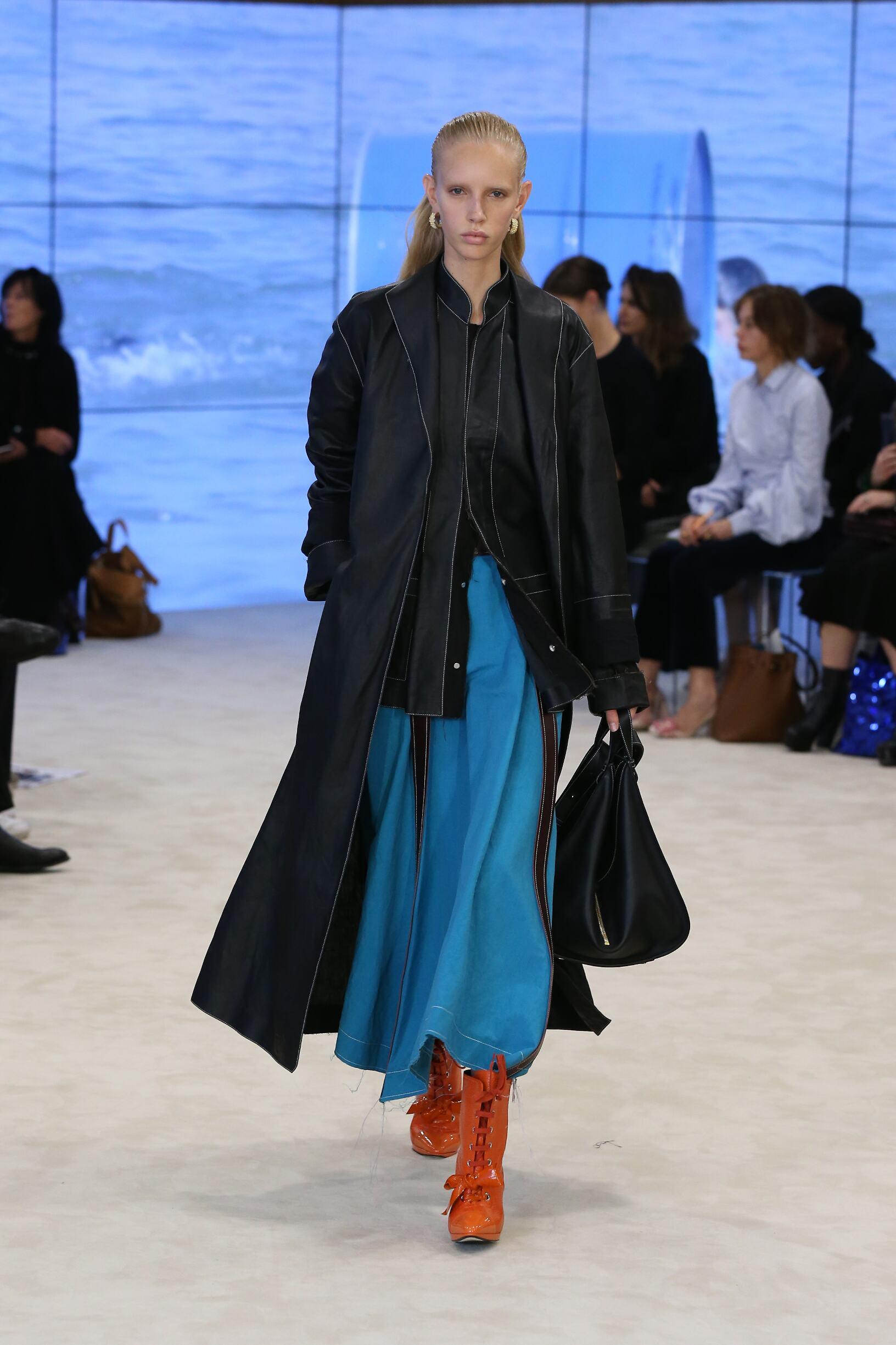 Fashion 2017 Woman Style Loewe