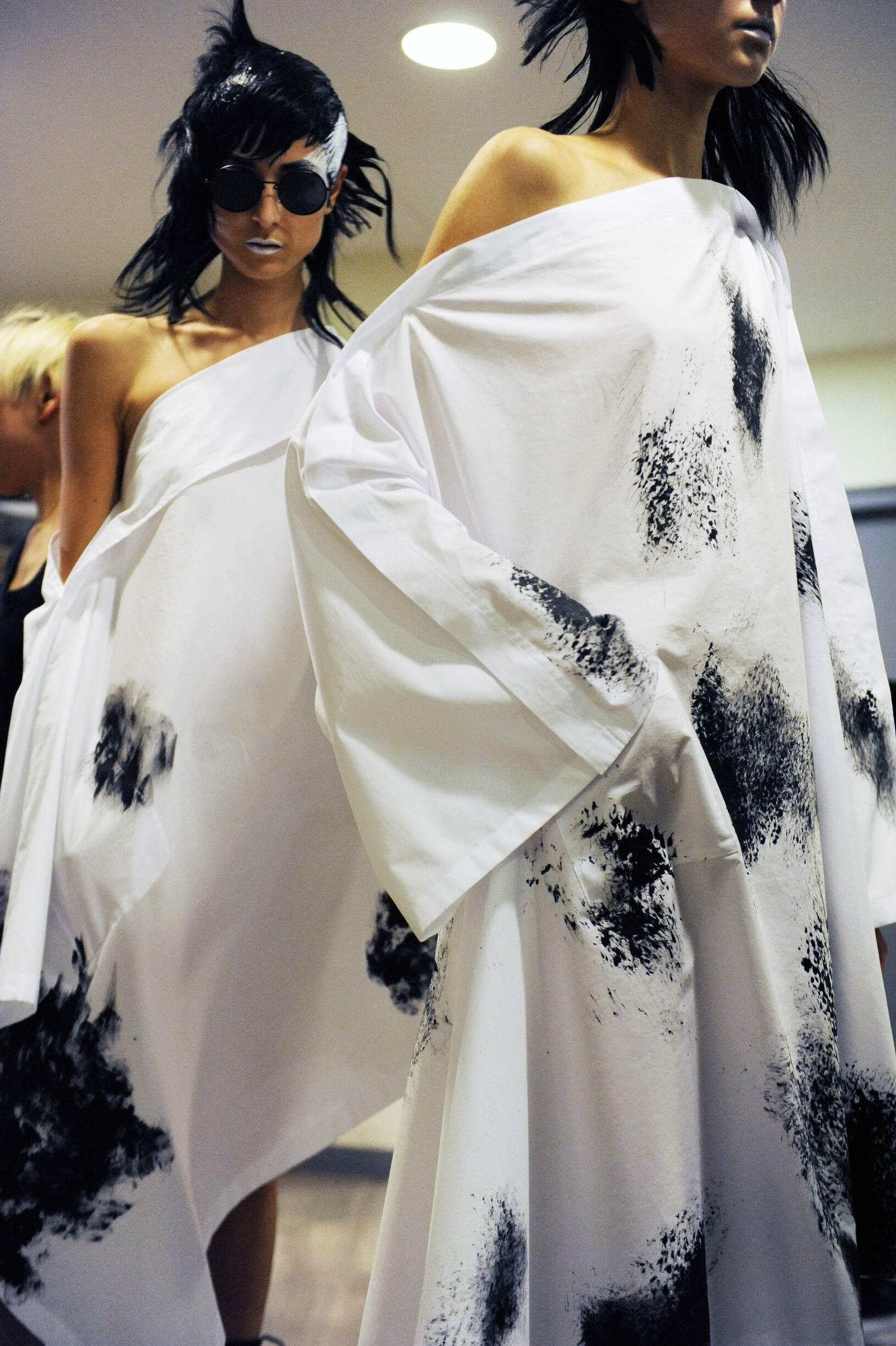 Fashion Models Yohji Yamamoto Backstage Paris