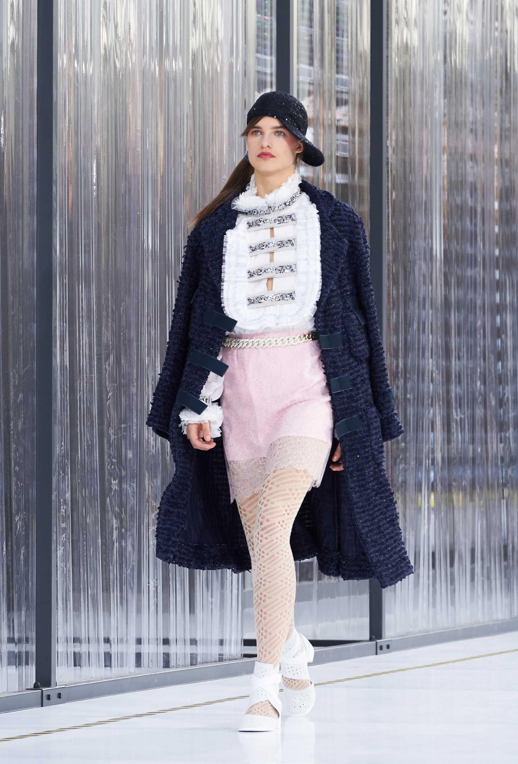 Fashion Week 2017 Catwalk Chanel