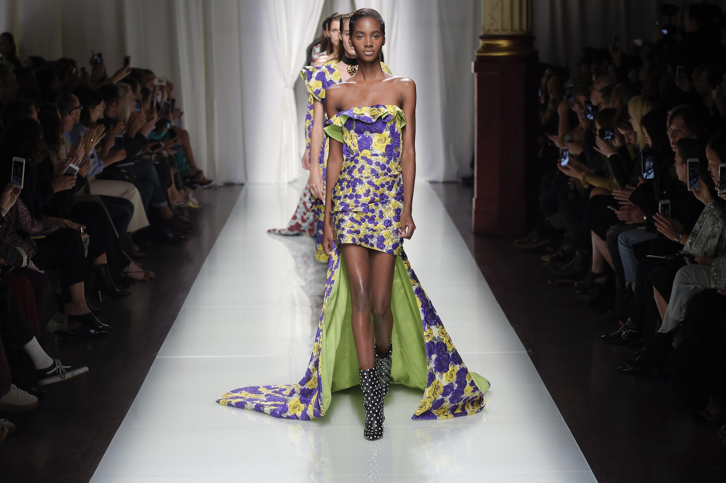 Finale Fashion Show Emanuel Ungaro