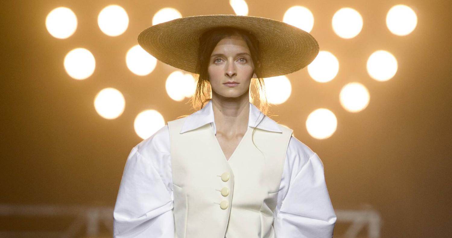 Jacquemus Fashion Show SS 2017 Paris