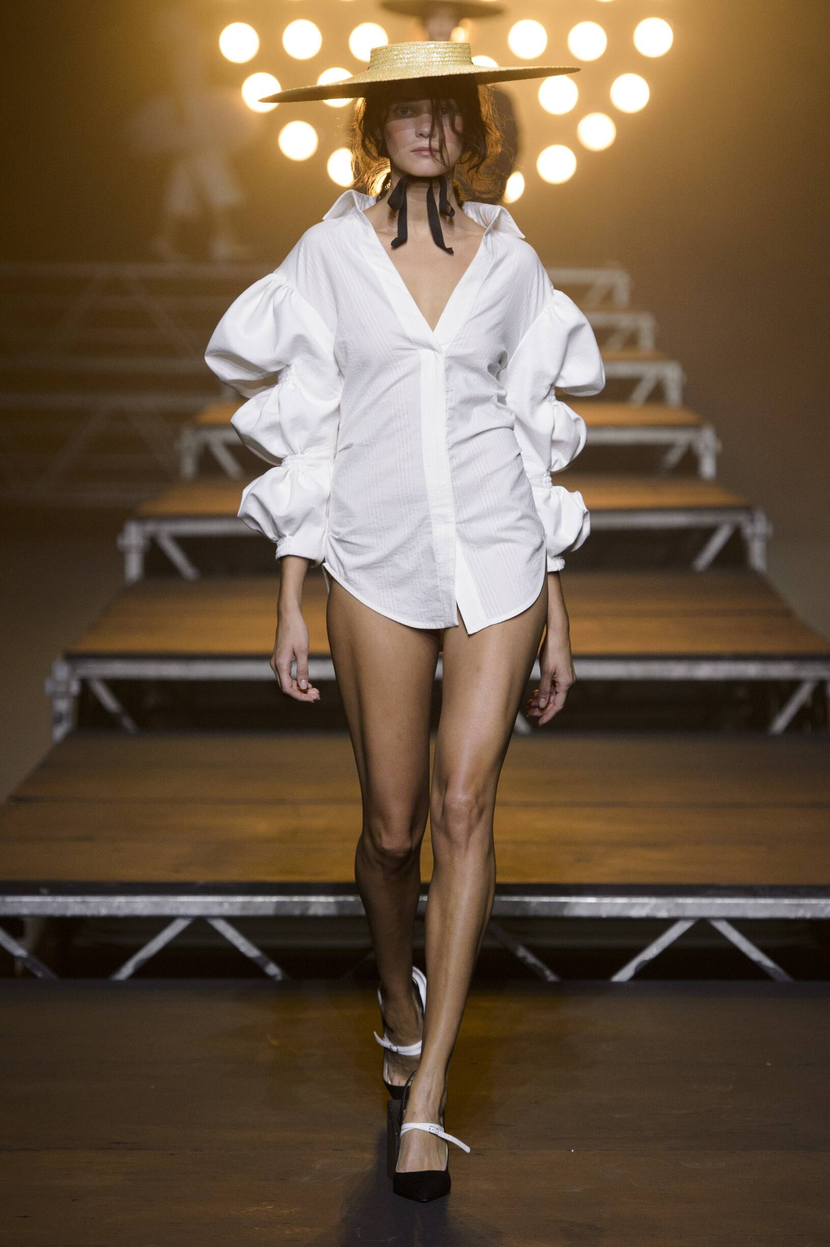 Model Fashion Show Jacquemus