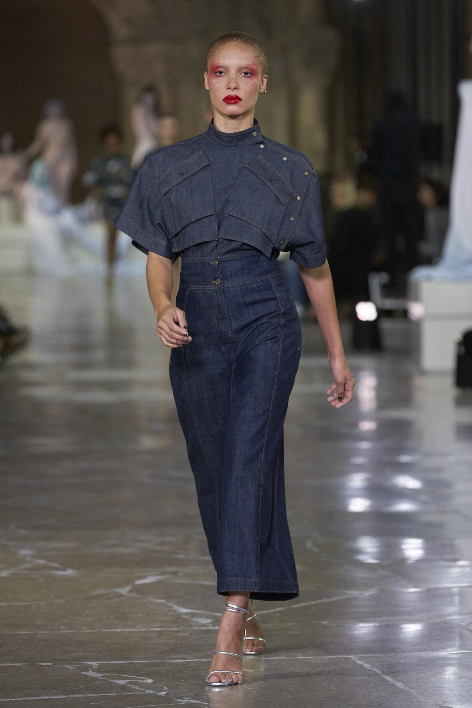 Model Fashion Show Kenzo