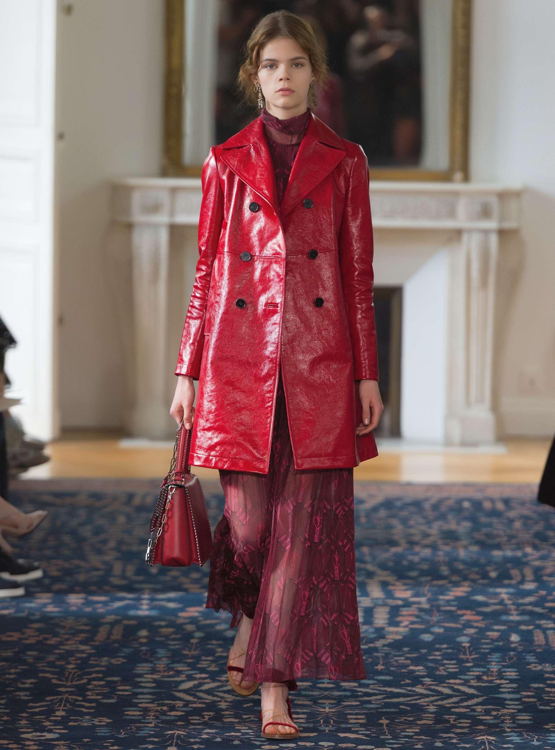Runway Valentino Spring Summer 2017 Women's Collection Paris Fashion Week