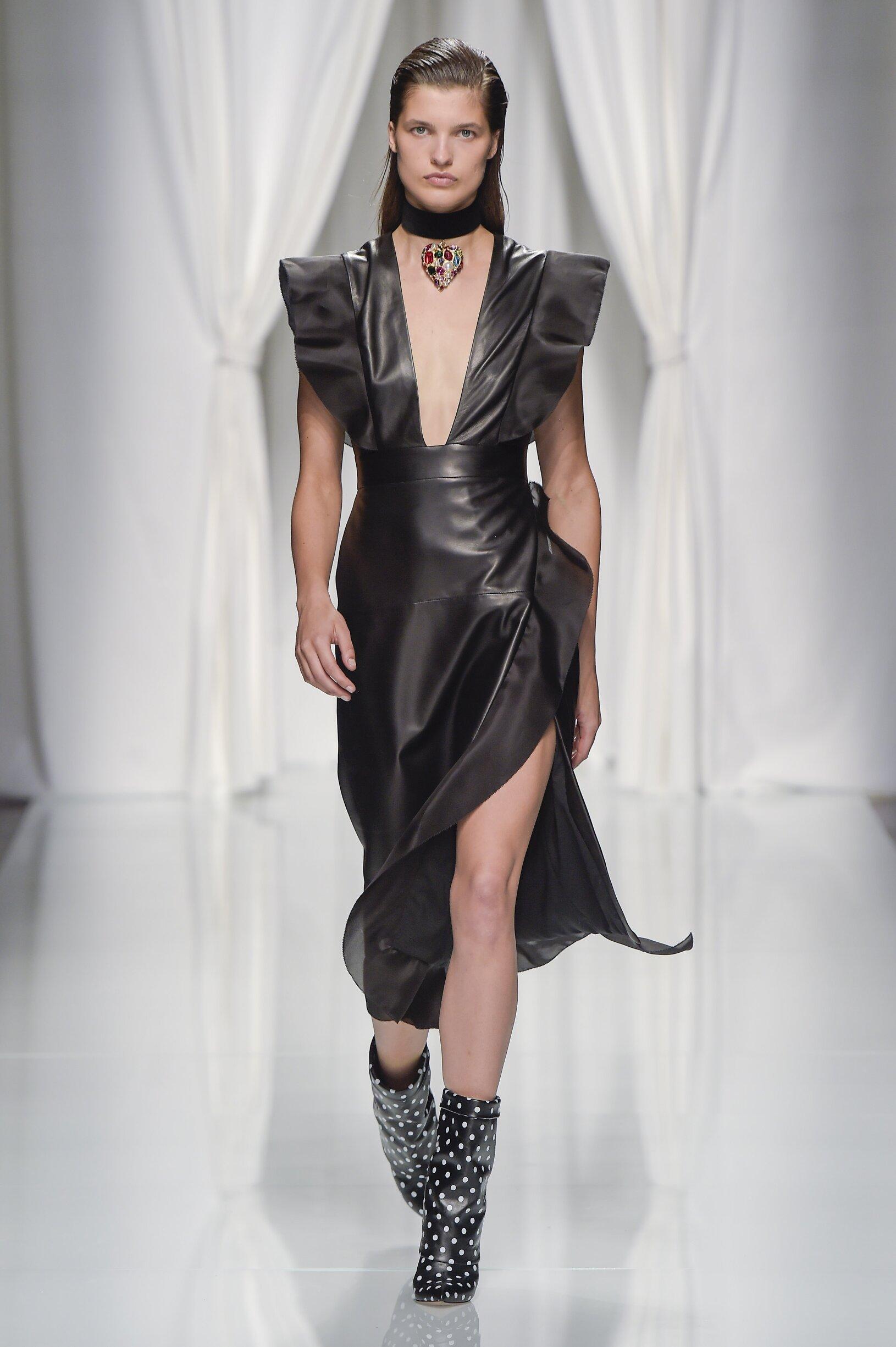 SS 2017 Emanuel Ungaro Fashion Show