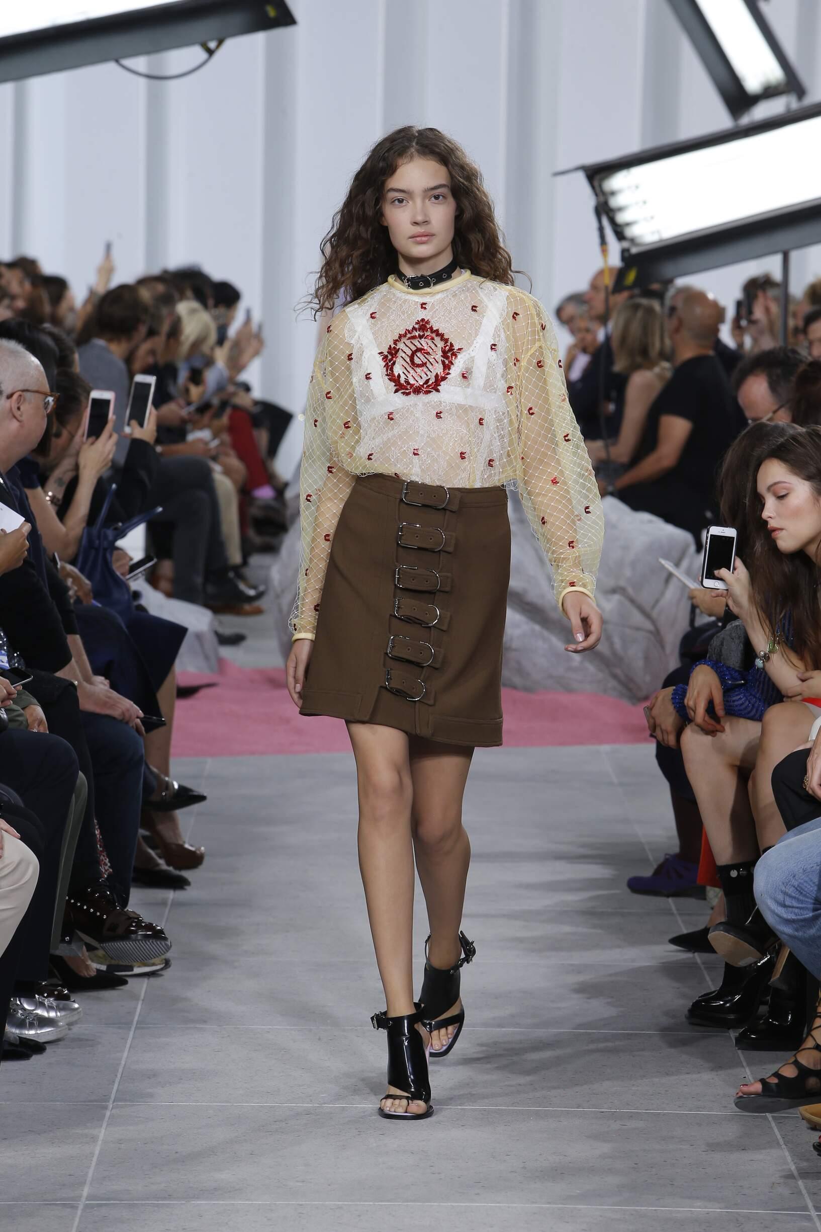 SS 2017 Fashion Show Carven