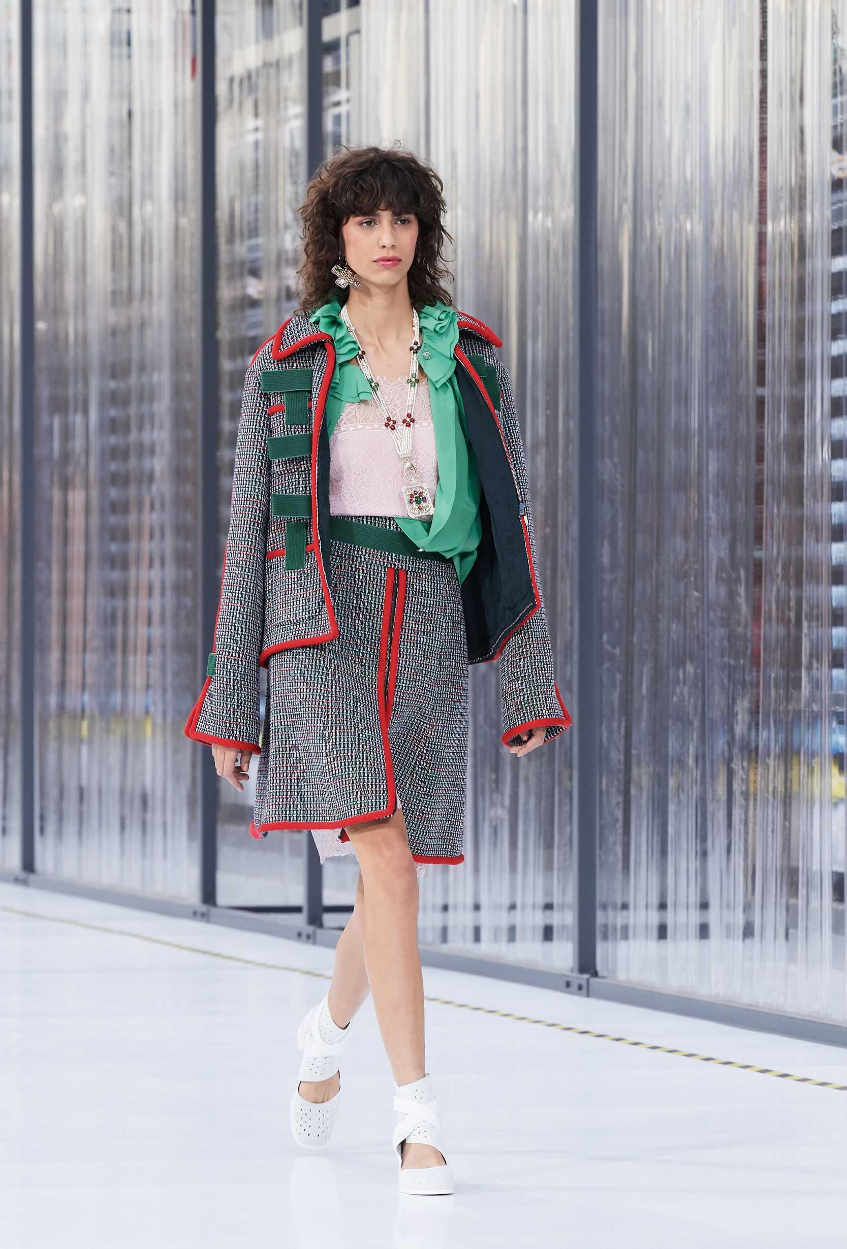 SS 2017 Fashion Show Chanel