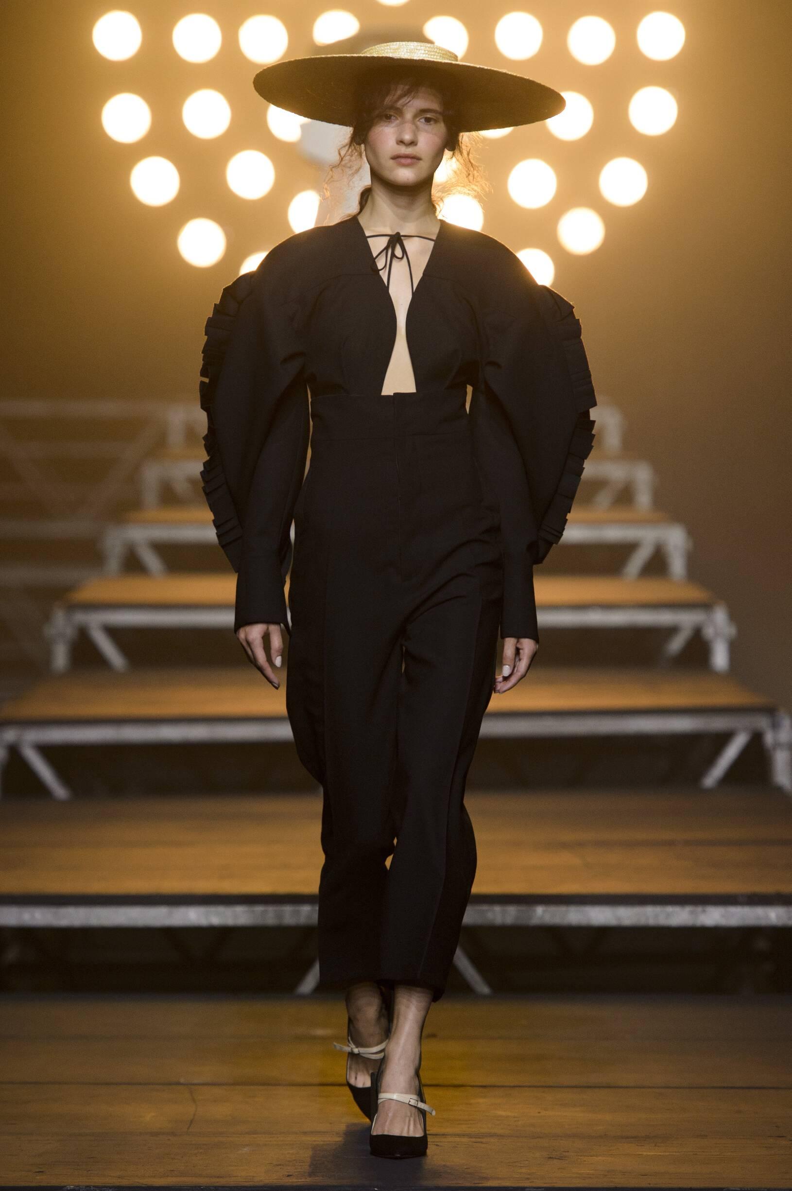 SS 2017 Fashion Show Jacquemus