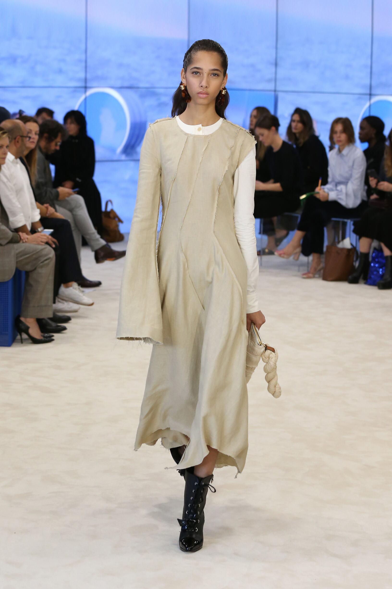 SS 2017 Loewe Fashion Show