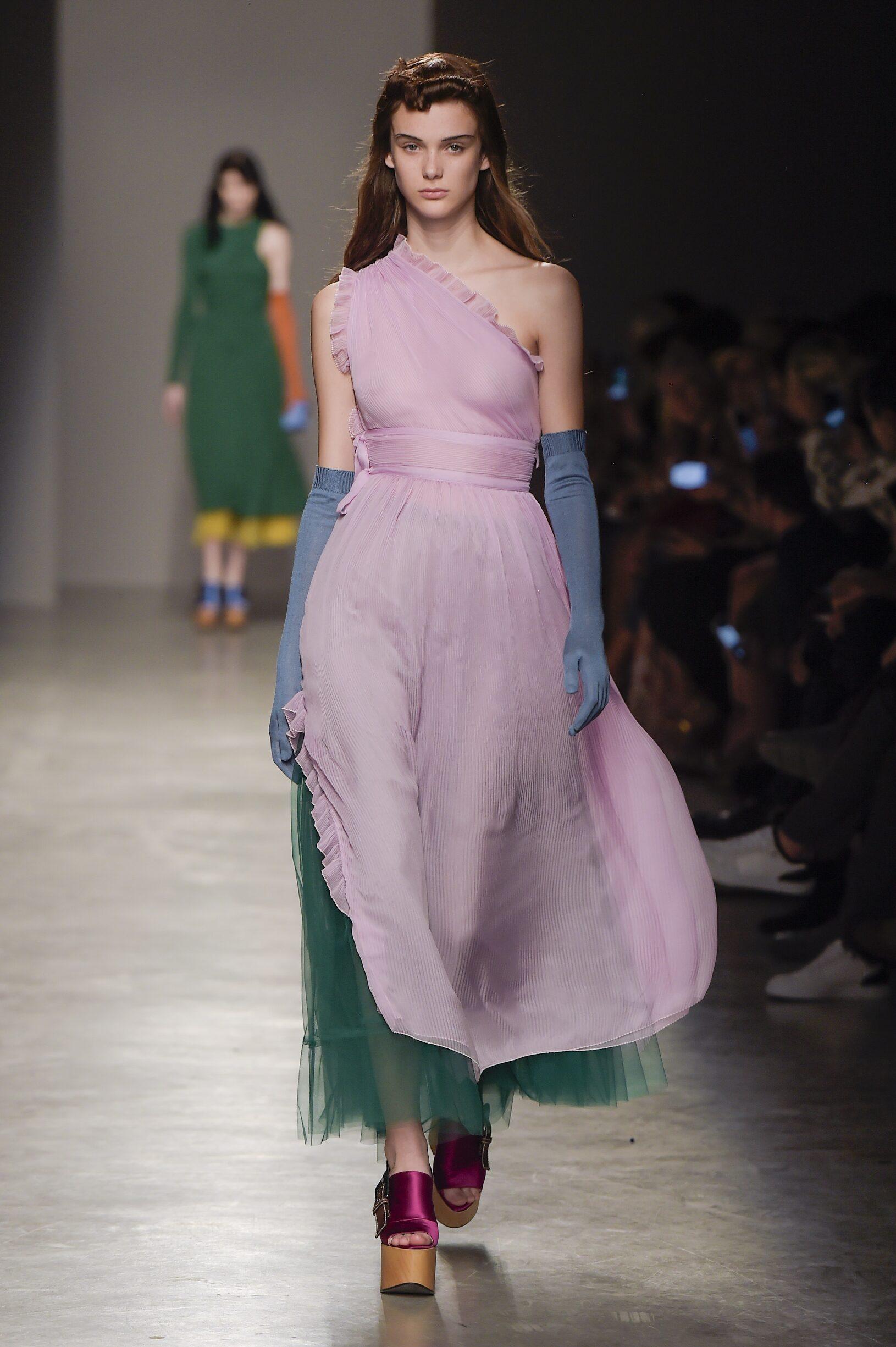 SS 2017 Rochas Fashion Show