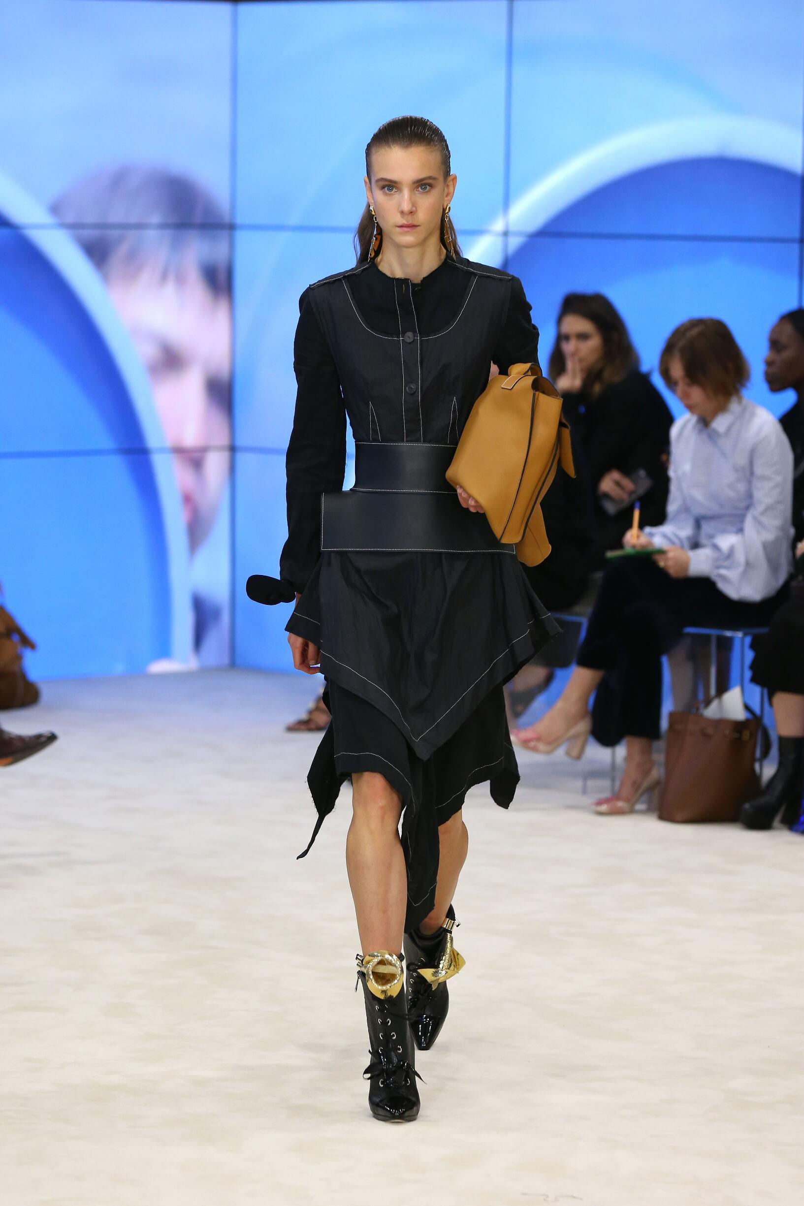 Spring 2017 Womenswear Loewe