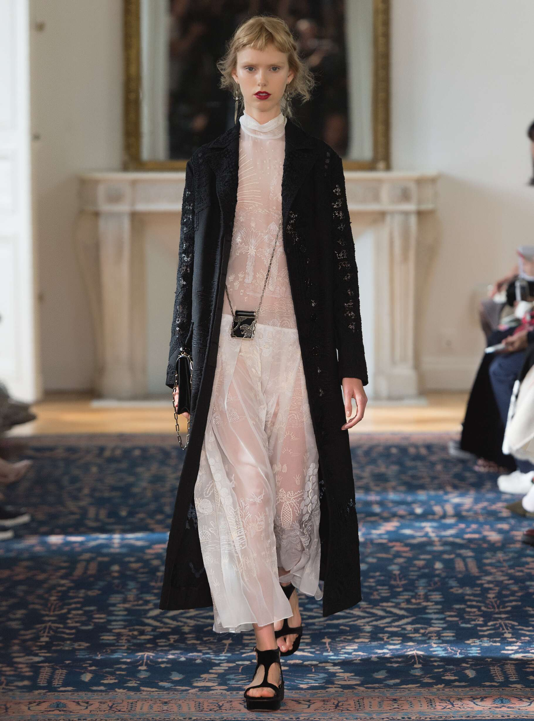 Spring Summer 2017 Woman Paris Valentino Collection