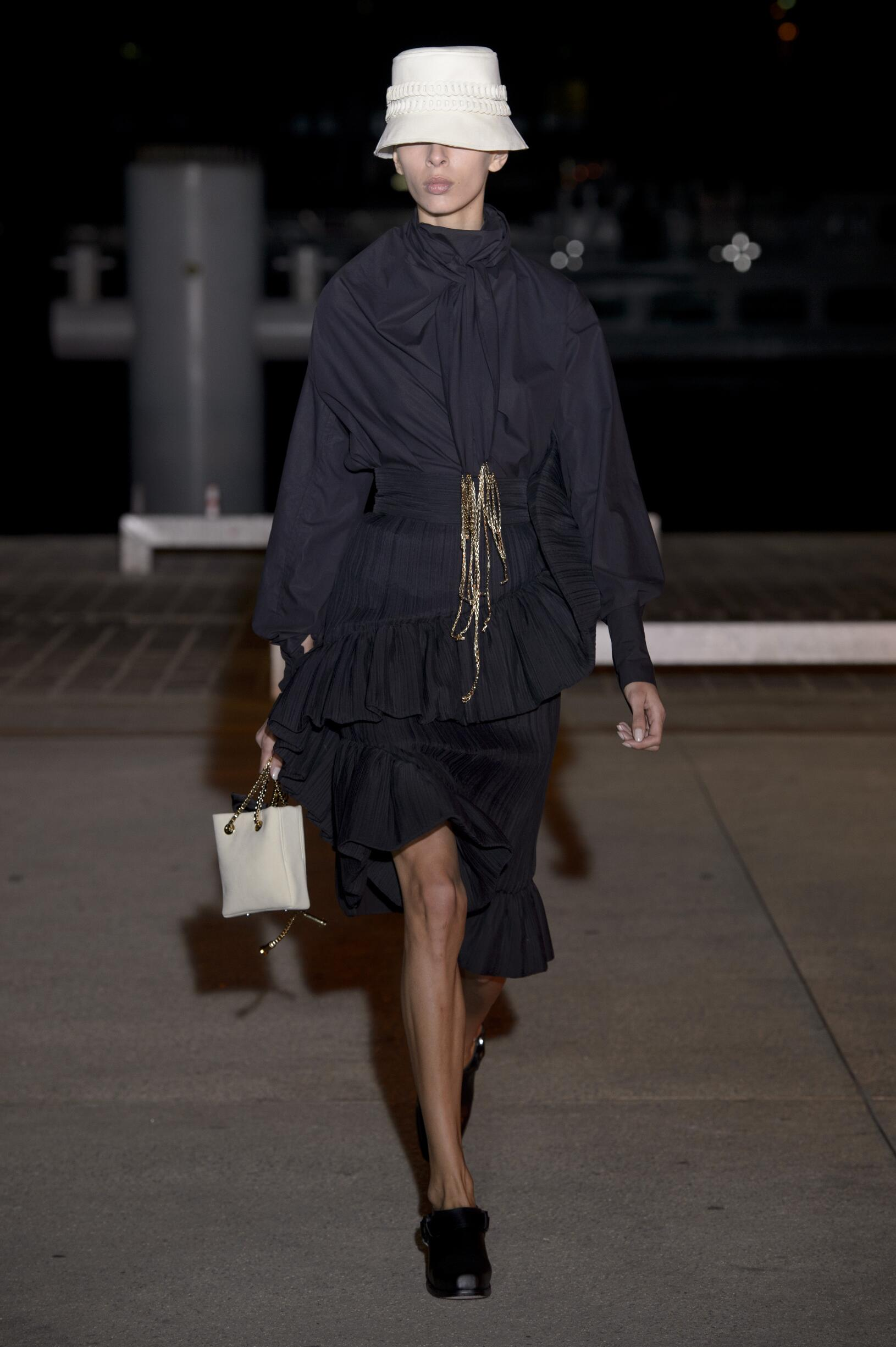 Wanda Nylon Catwalk