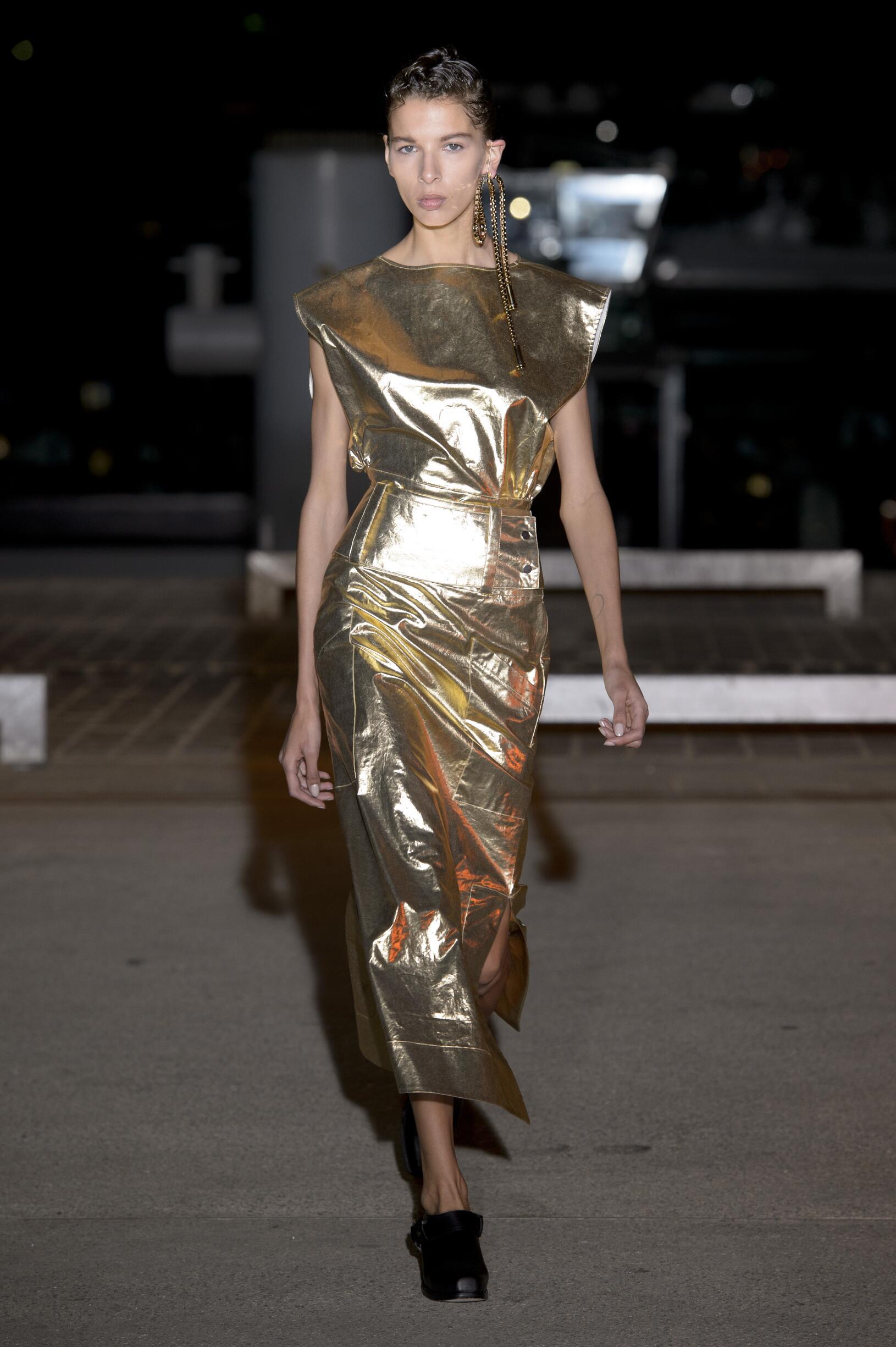 Wanda Nylon Woman Style
