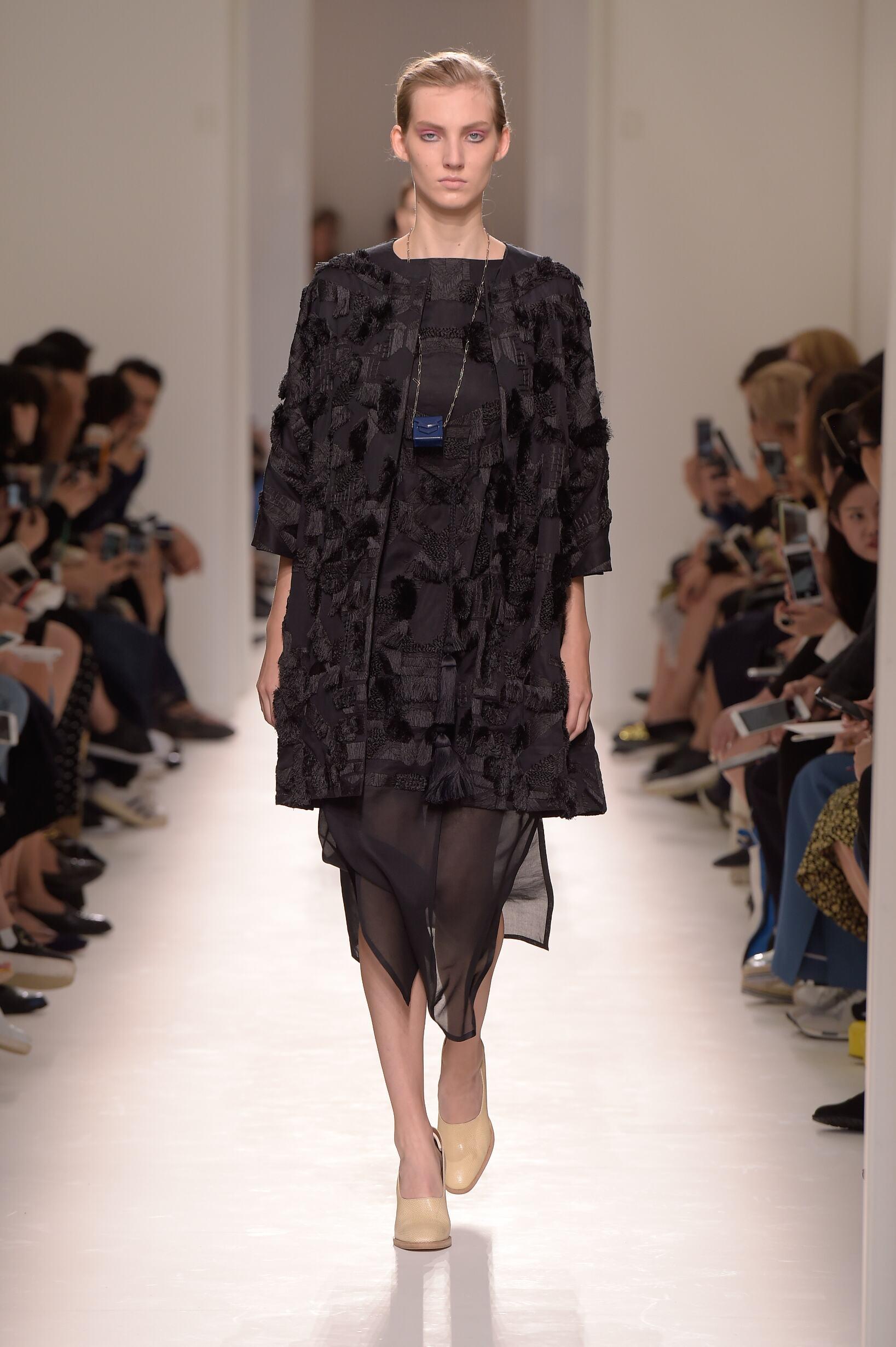 2017 Catwalk Hermès Woman Fashion Show Summer