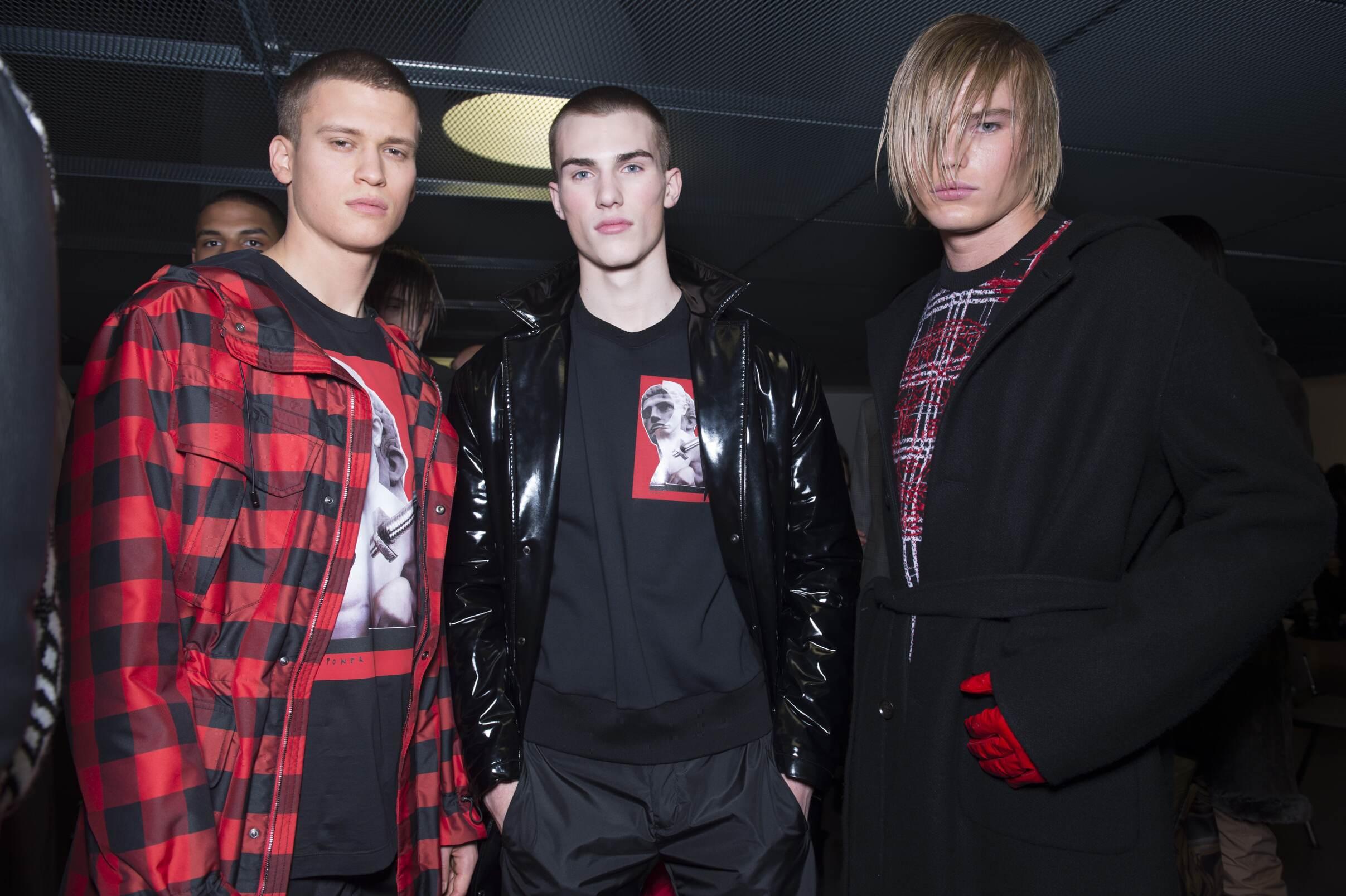 2017 Backstage Versace Men Models Milan