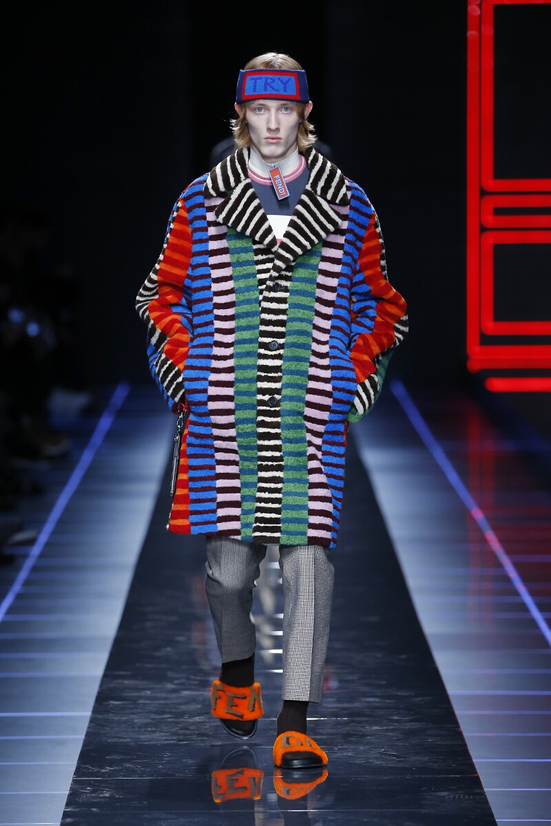 2017 Catwalk Fendi Man Fashion Show Winter