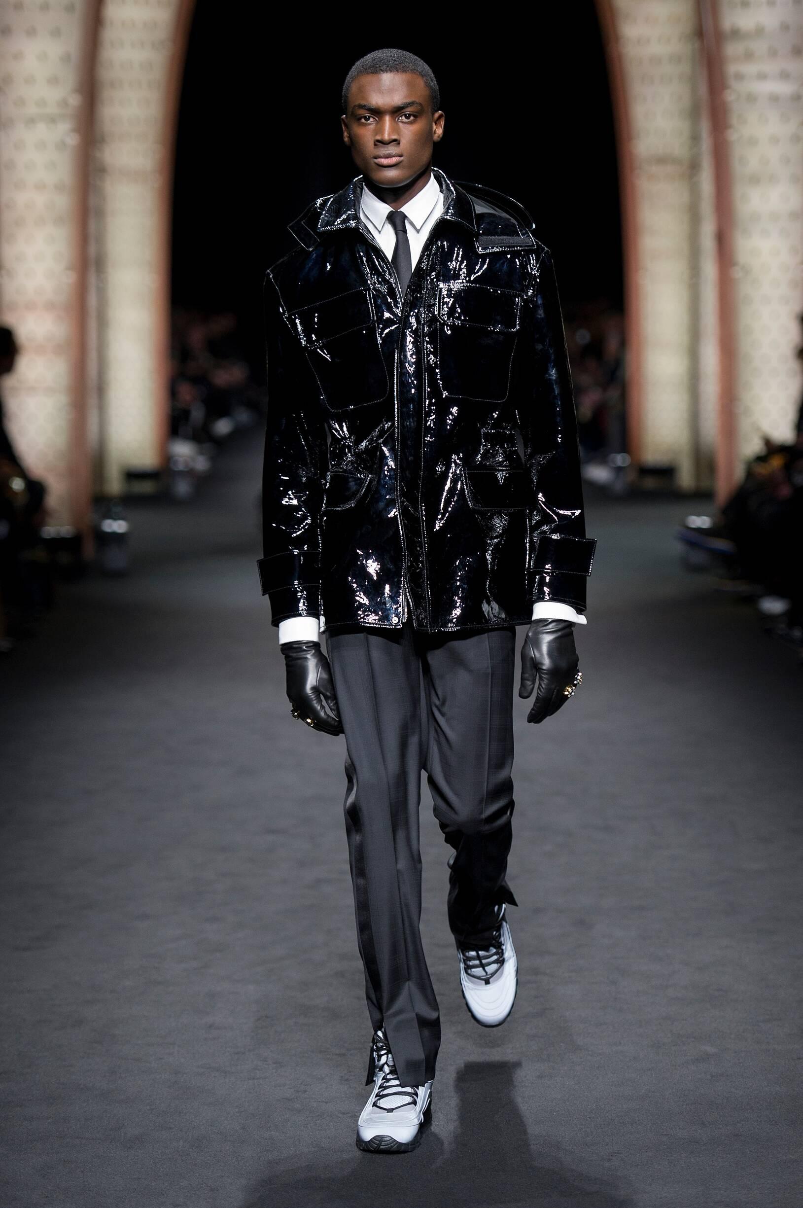 2017 Versace Catwalk