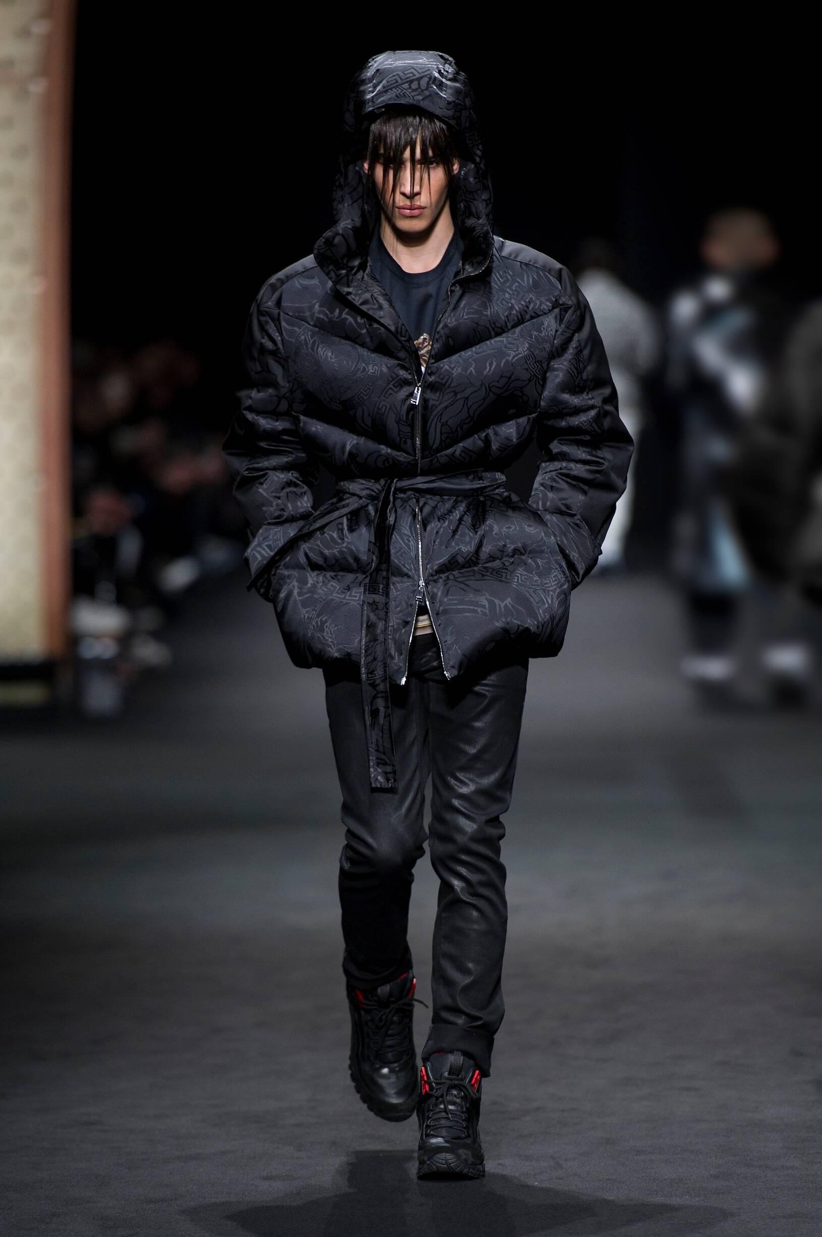 2017 Versace Fall Catwalk