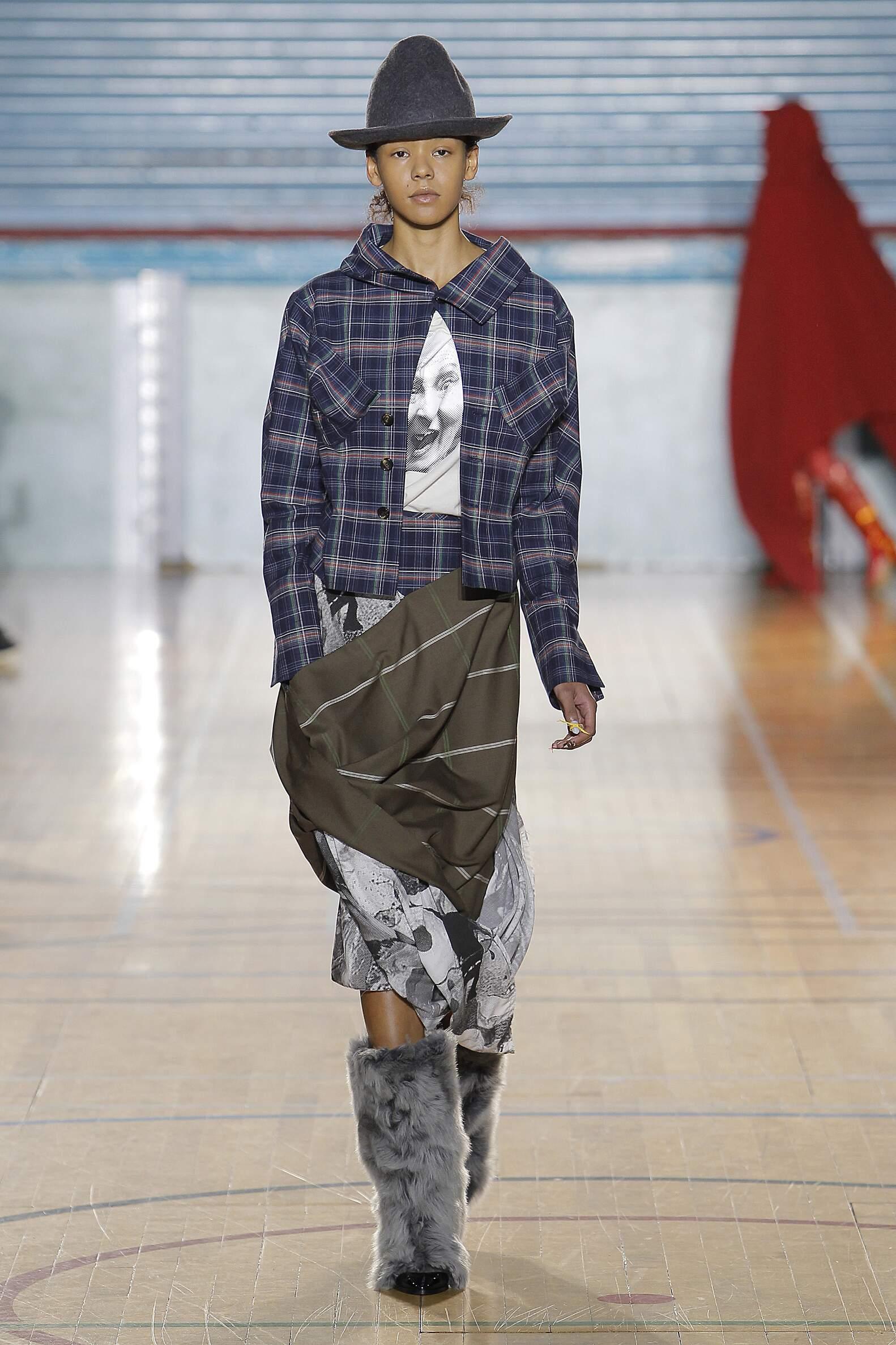 2017 Woman Style Vivienne Westwood