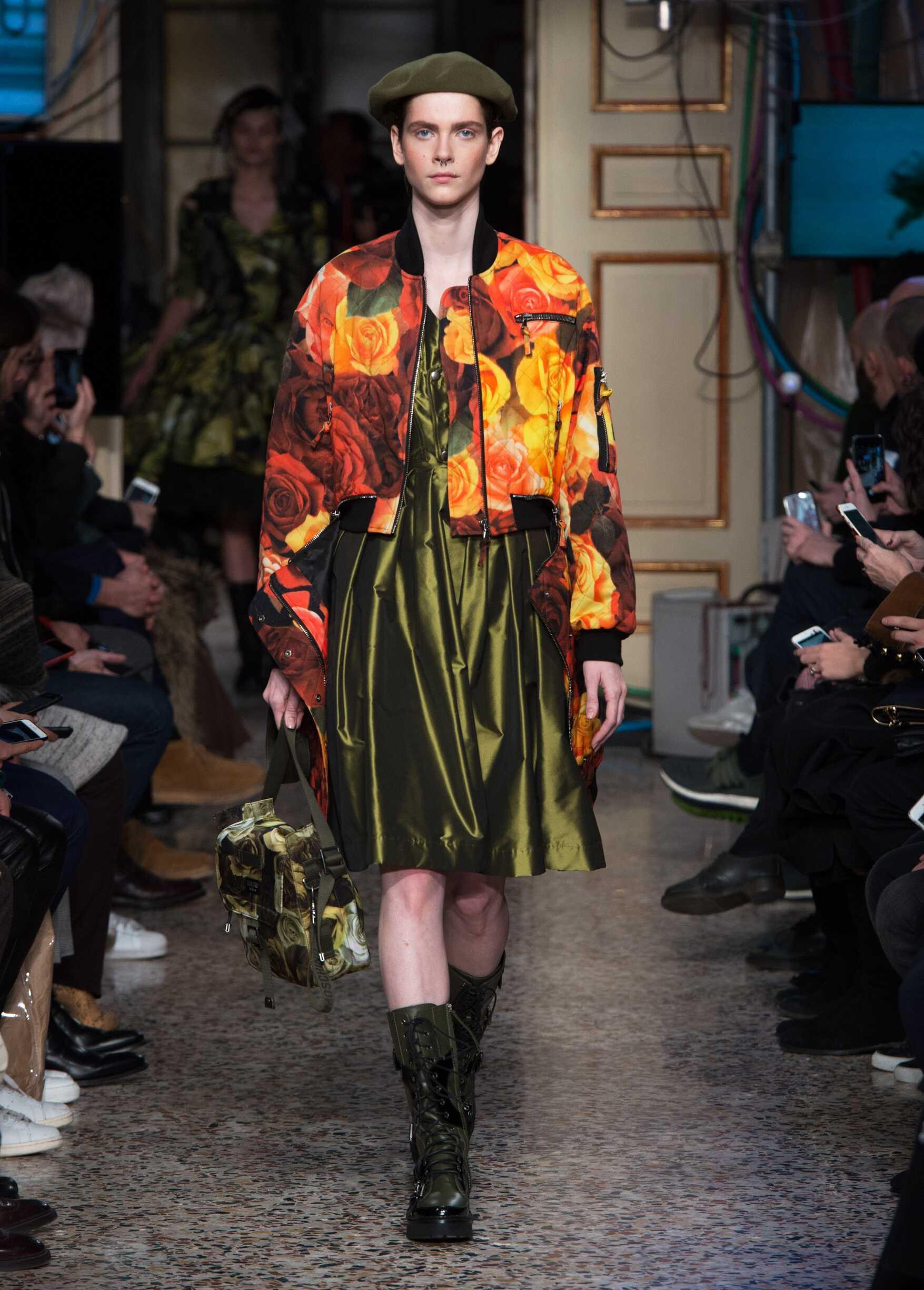 2017 Womenswear Catwalk Moschino