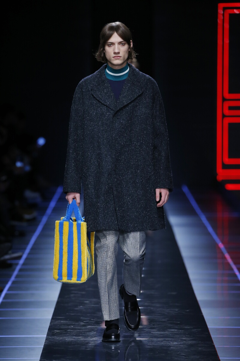 Catwalk Fendi Man Fashion Show Winter 2017