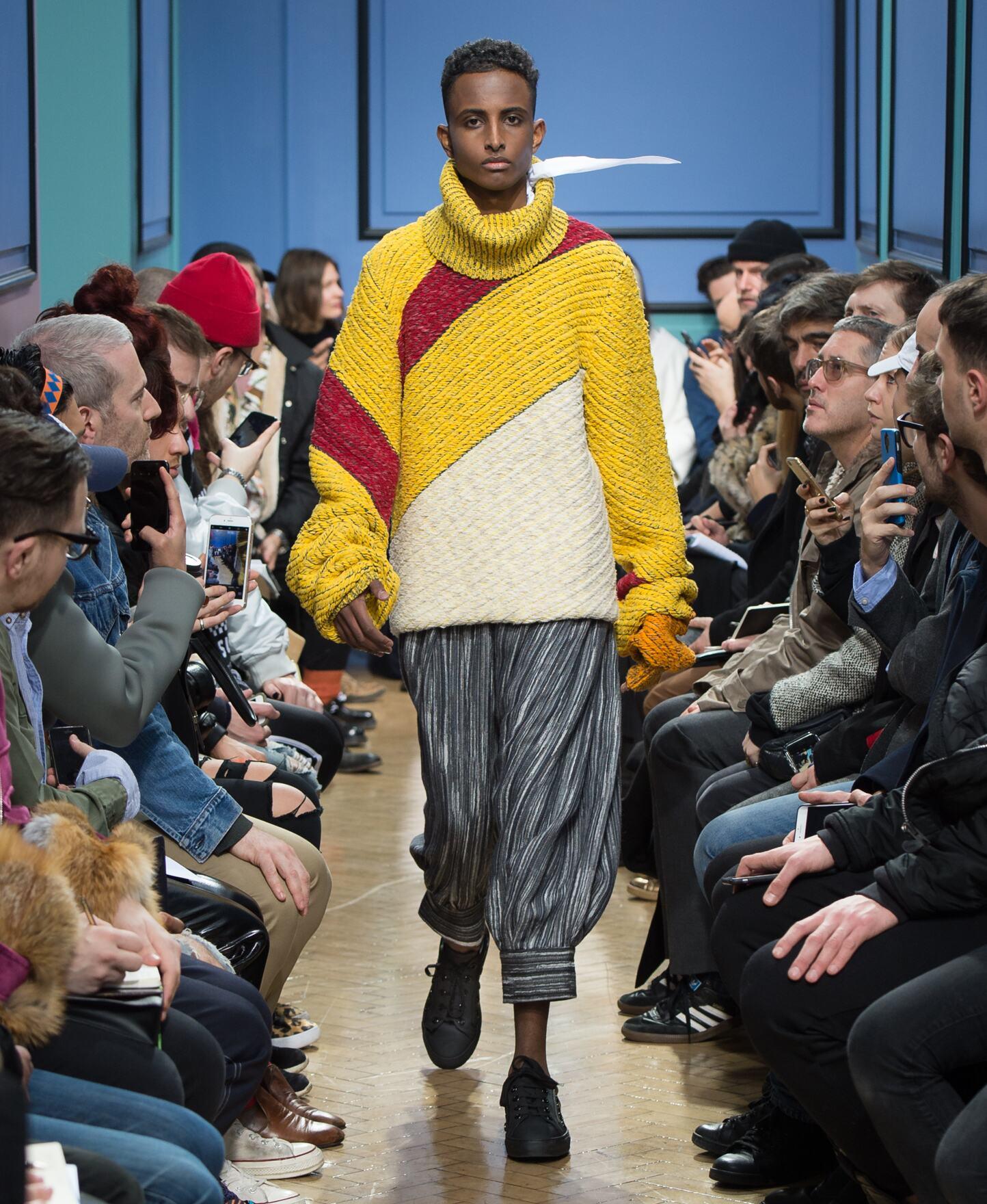 Catwalk J.W Anderson Man Fashion Show Winter 2017