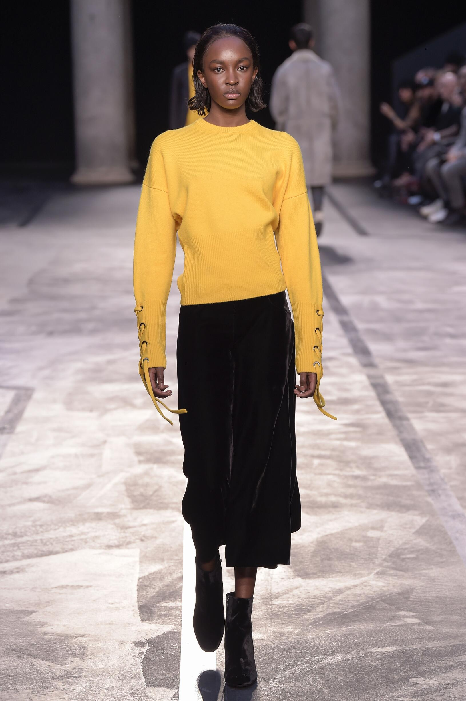 Catwalk Neil Barrett Woman Fashion Show Winter 2017