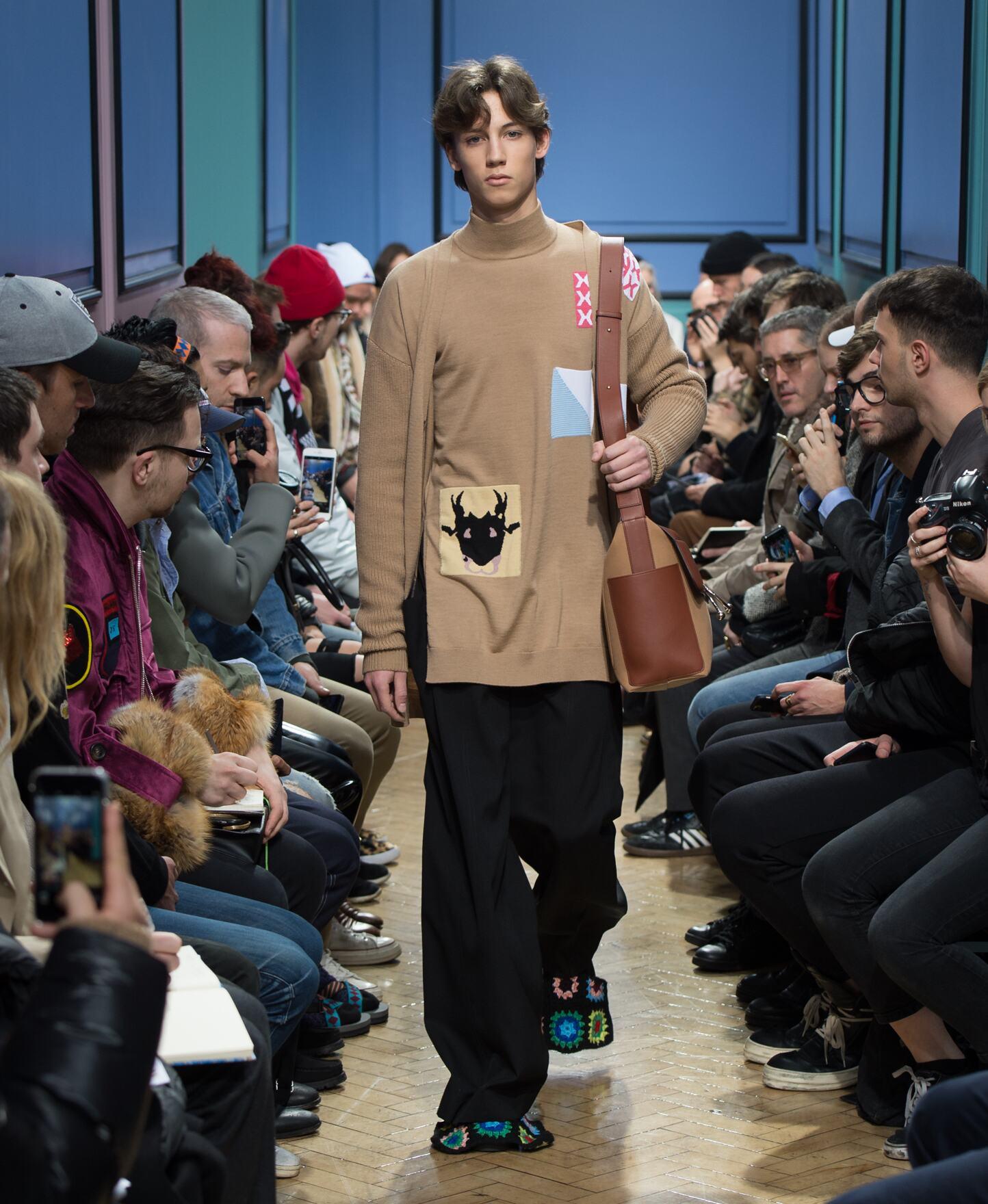 FW 2017 J.W Anderson Fashion Show