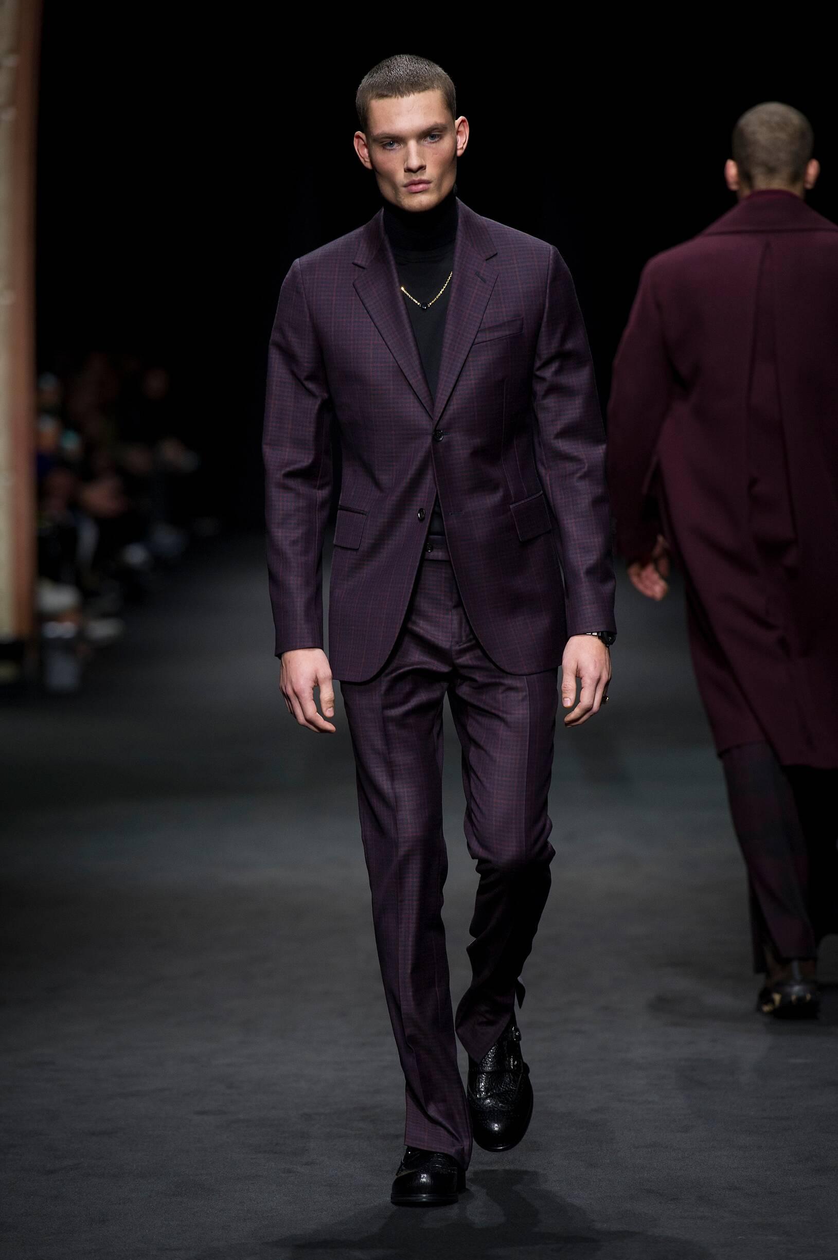 Fall 2017 18 Menswear Versace