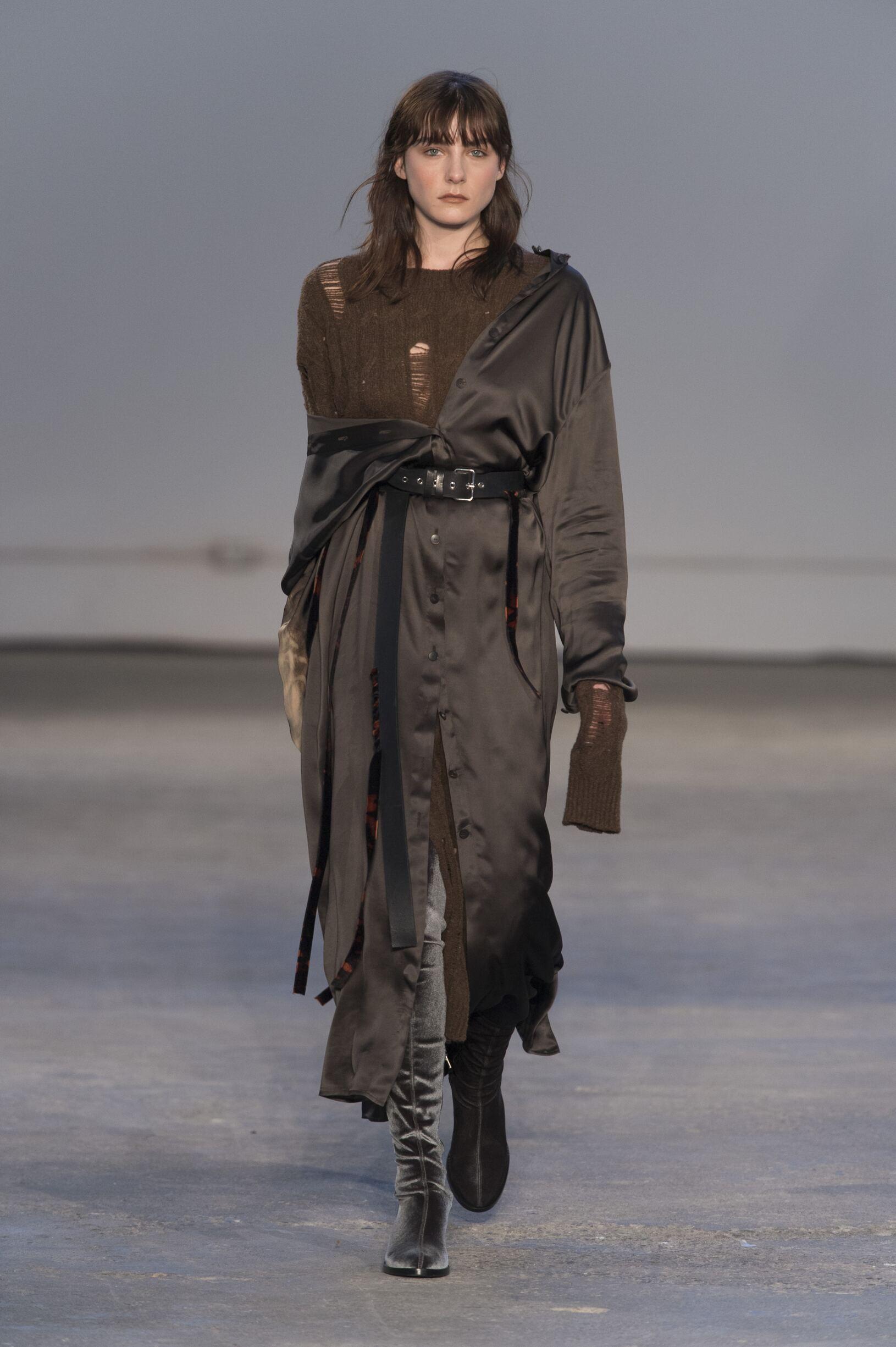 Fall 2017-18 Womenswear Damir Doma